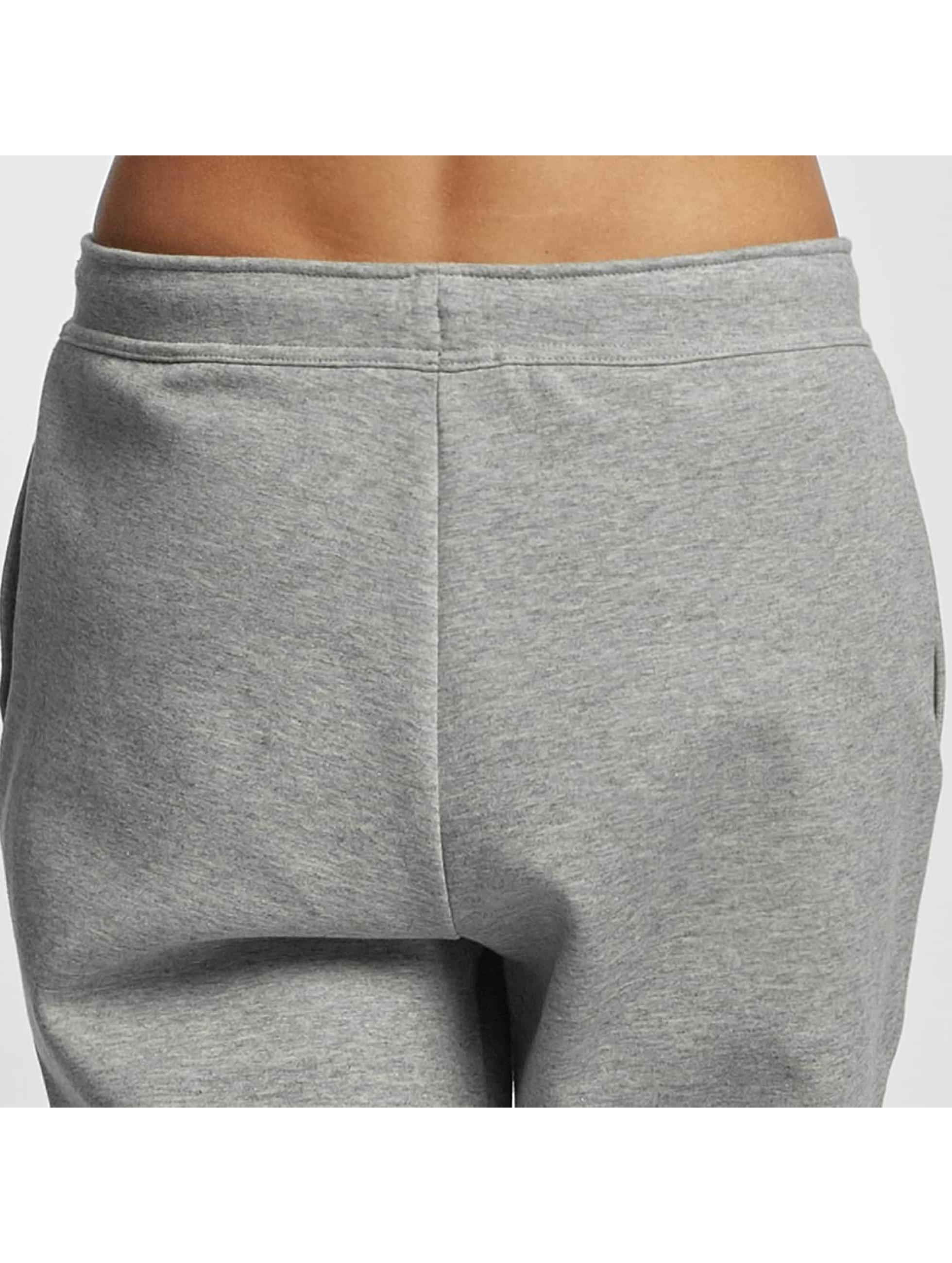nike damen jogginghose sportswear av15 in grau 336499. Black Bedroom Furniture Sets. Home Design Ideas