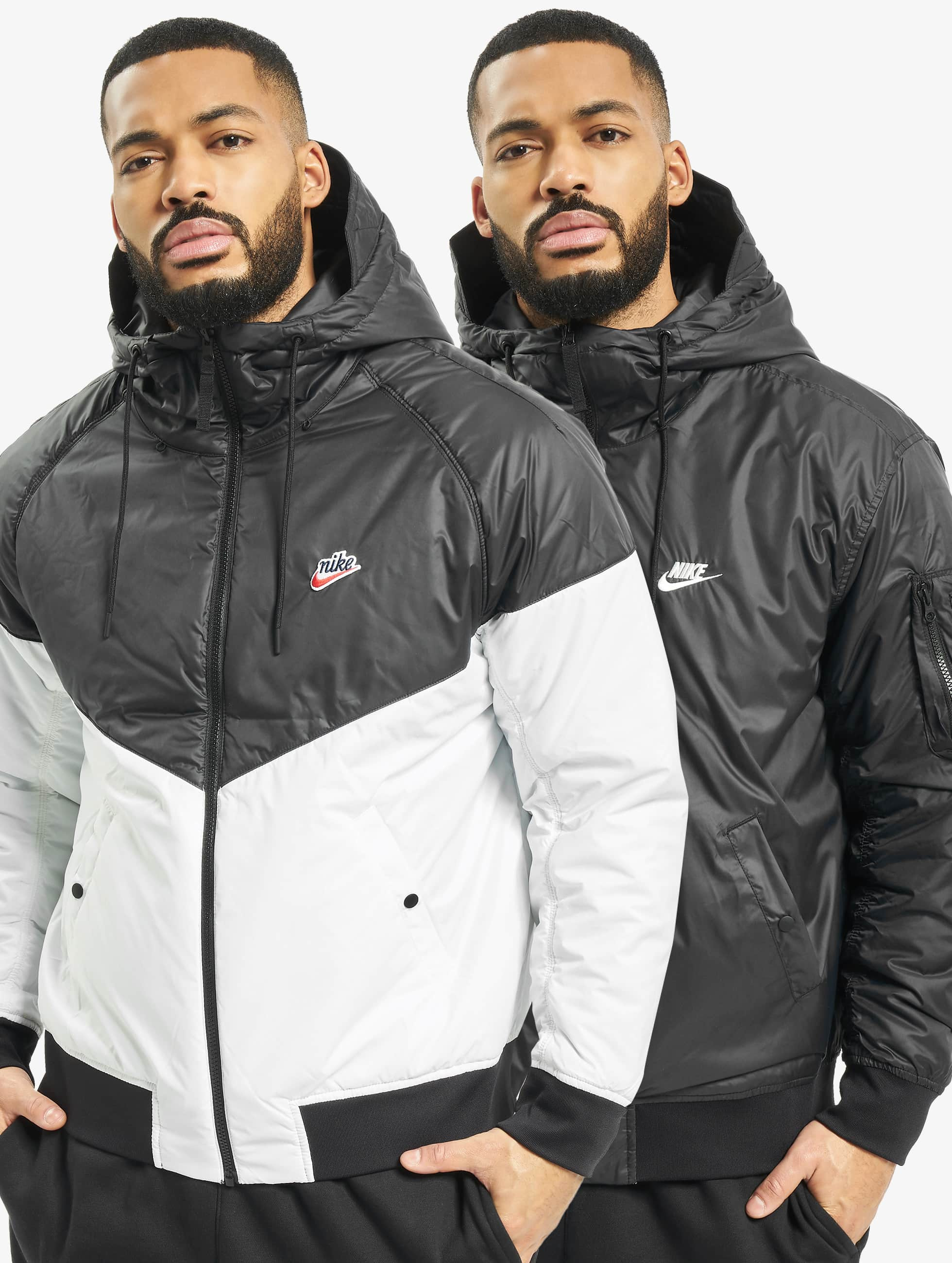 Nike Jackor Övergångsjackor HE i svart 715065