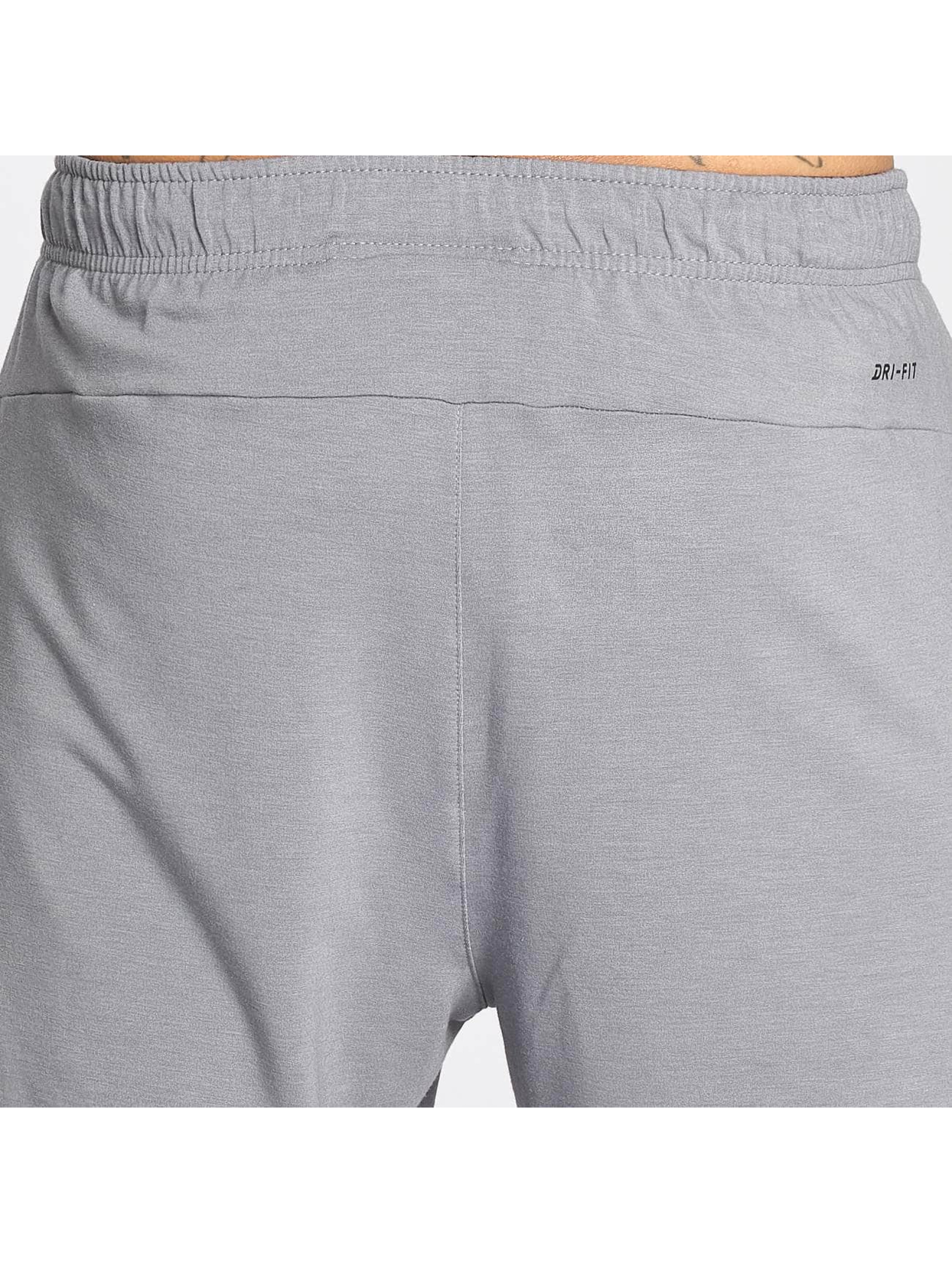 Nike Performance Short Dry Training gris