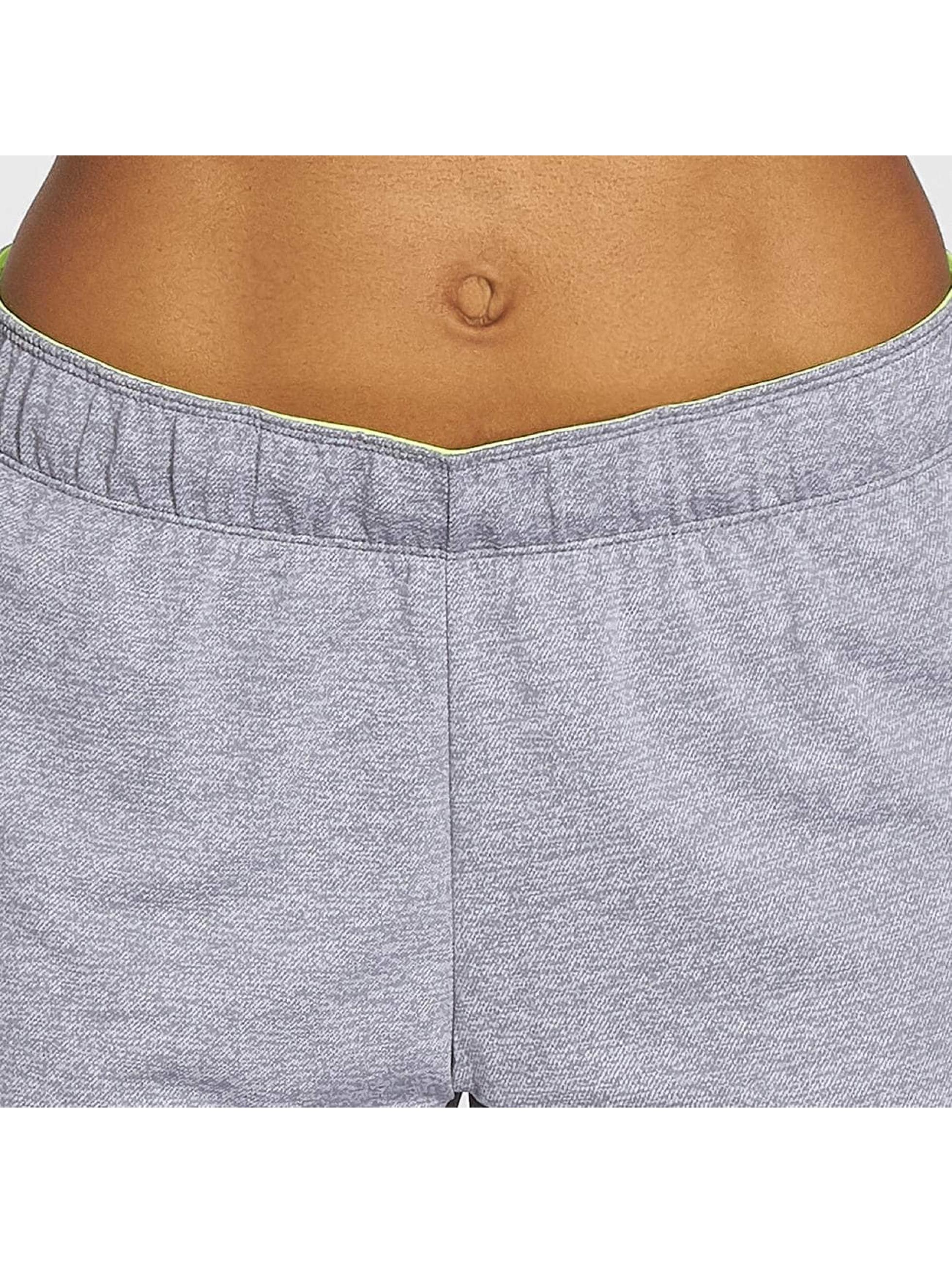 Nike Performance Shorts Training grau