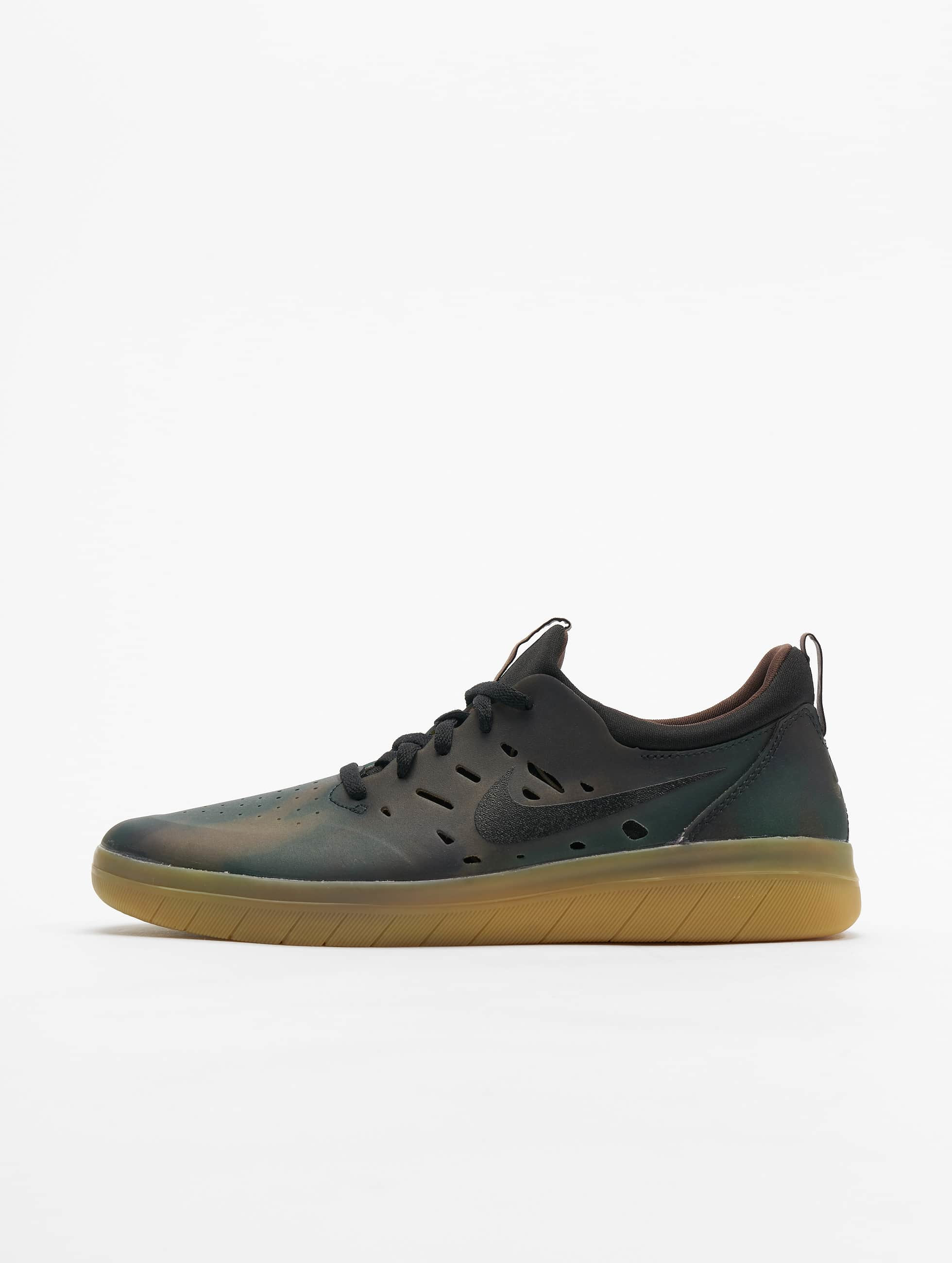 Nike SB Nyjah Free Premium Sneakers MultiColorBlackGum Light Brown