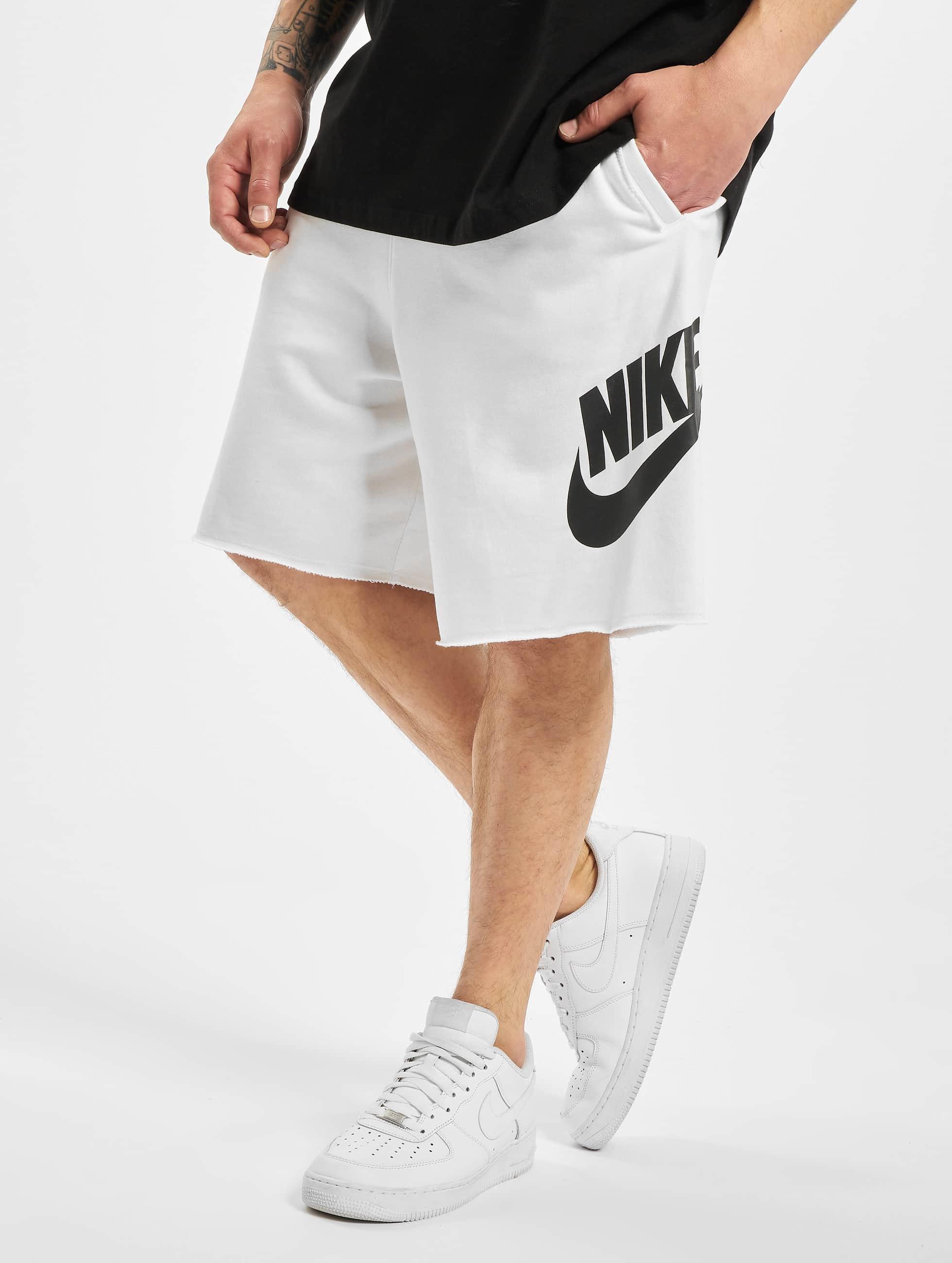 Nike Alumni Shorts WhiteWhiteBlackBlack