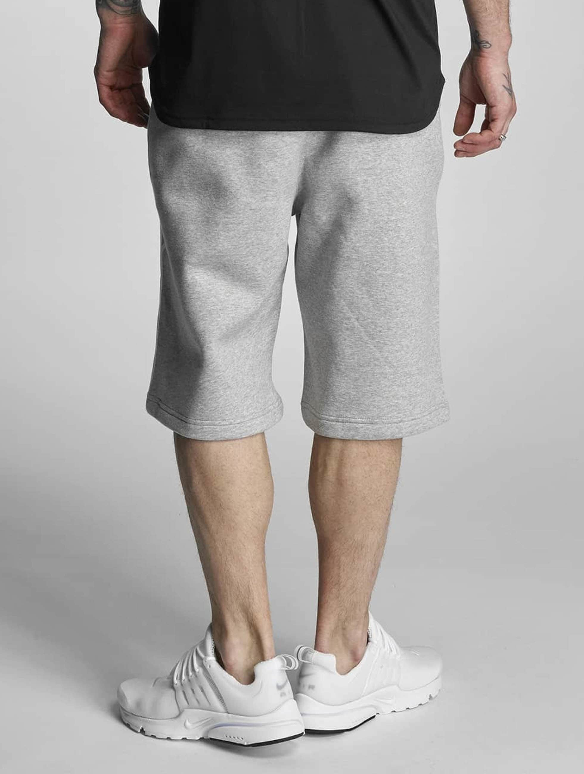 Nike Shorts FLC EXP Club grau