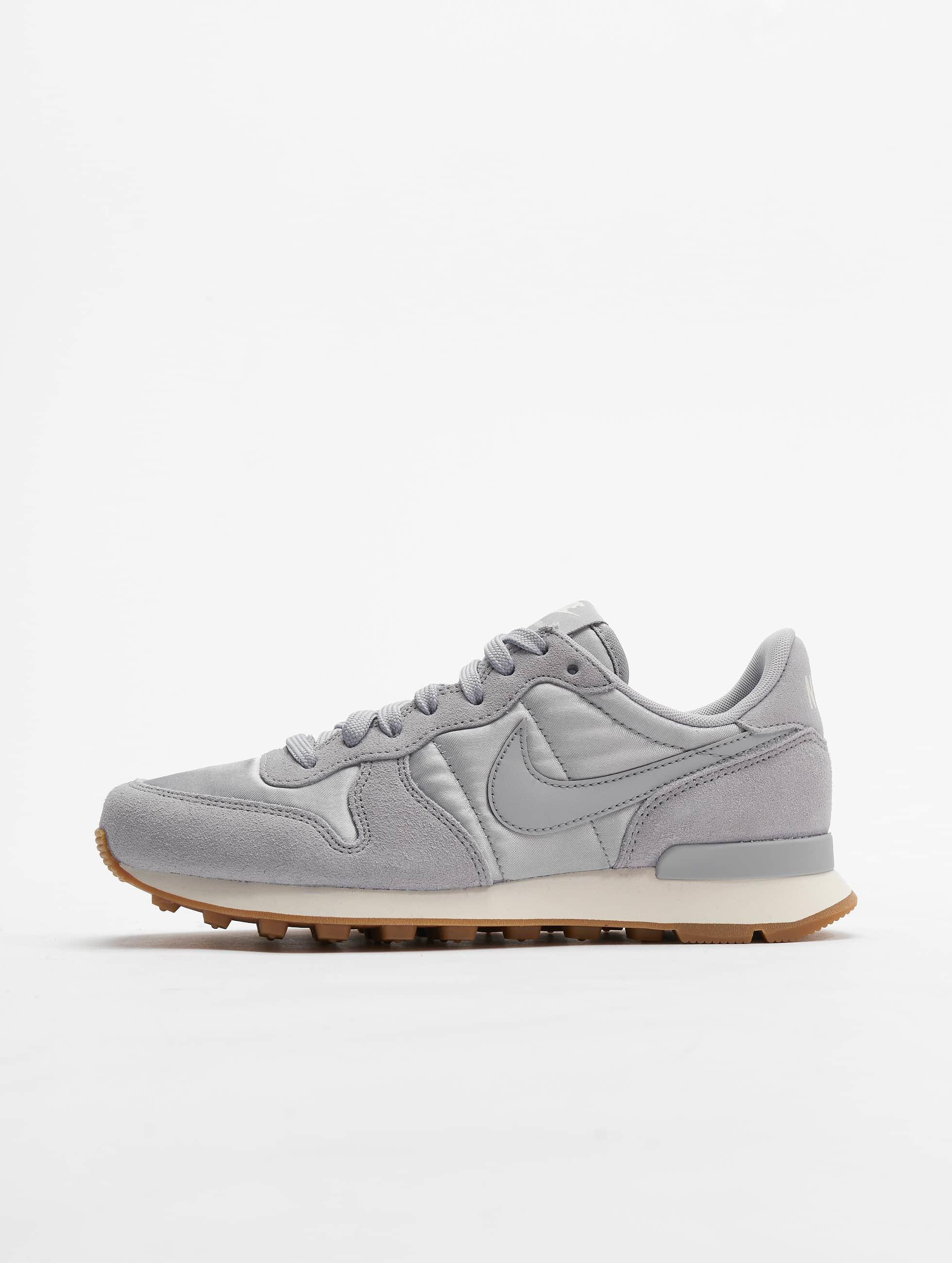 Nike Internationalist Sneakers Wolf Grey/Wolf Grey Sail Gum/Med Brown