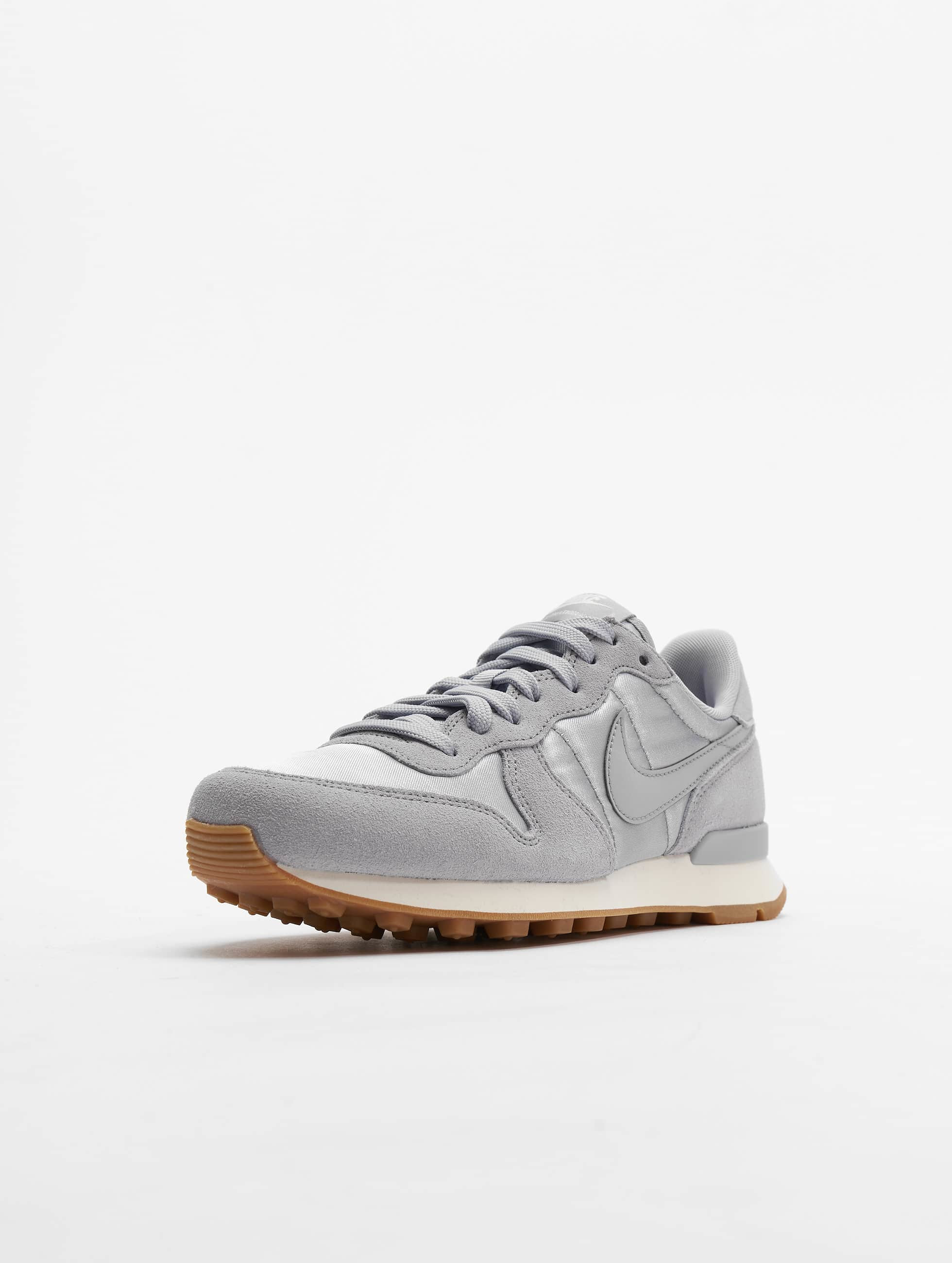 Nike Sneaker WMNS Internationalist bunt