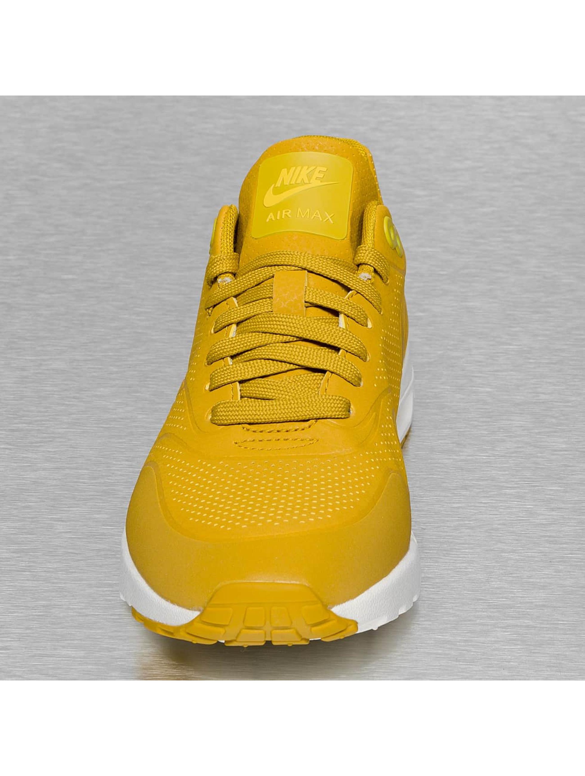 nike sneakers dames okergeel
