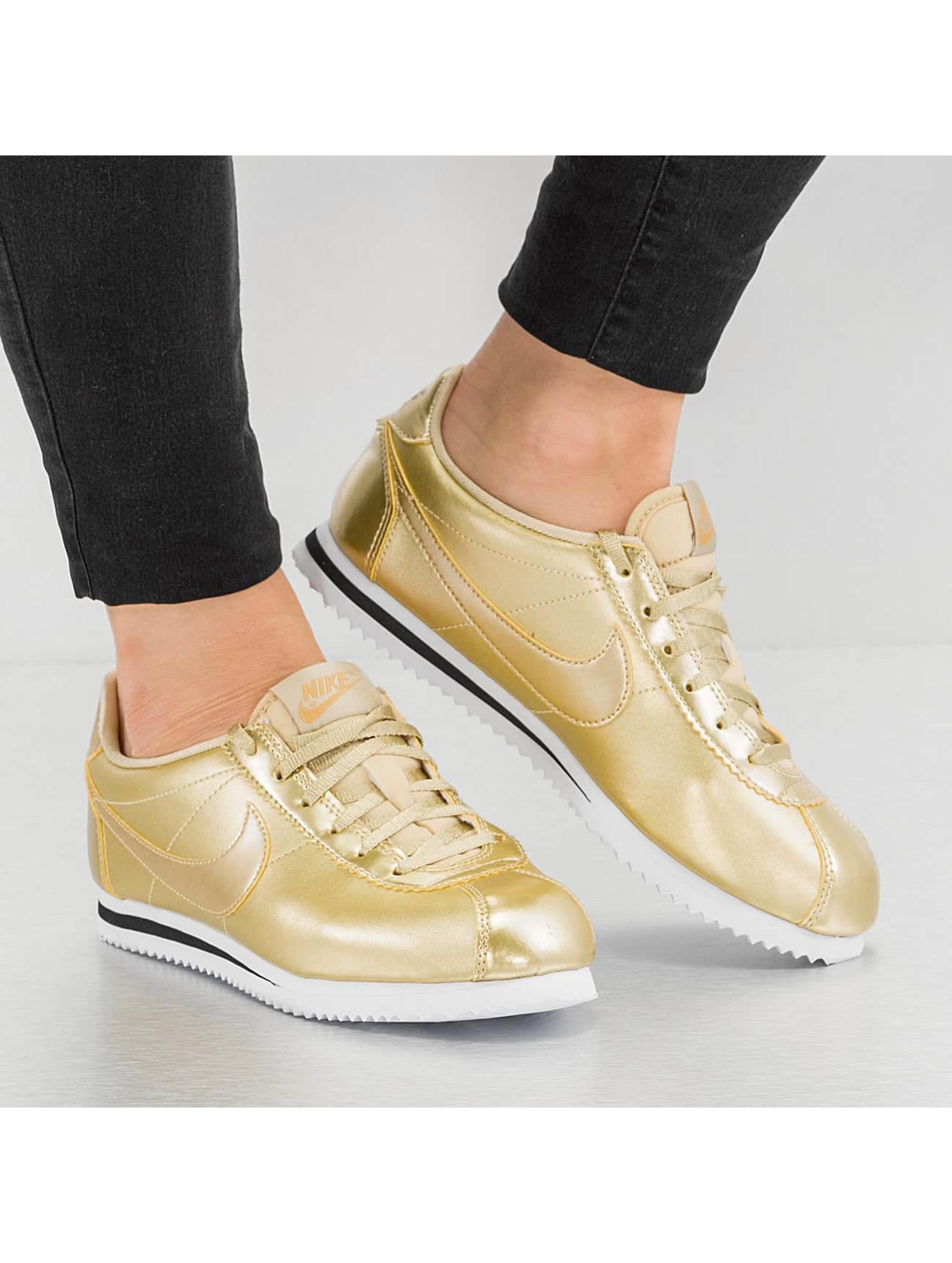 Nike schoen / sneaker Cortez SE in goud