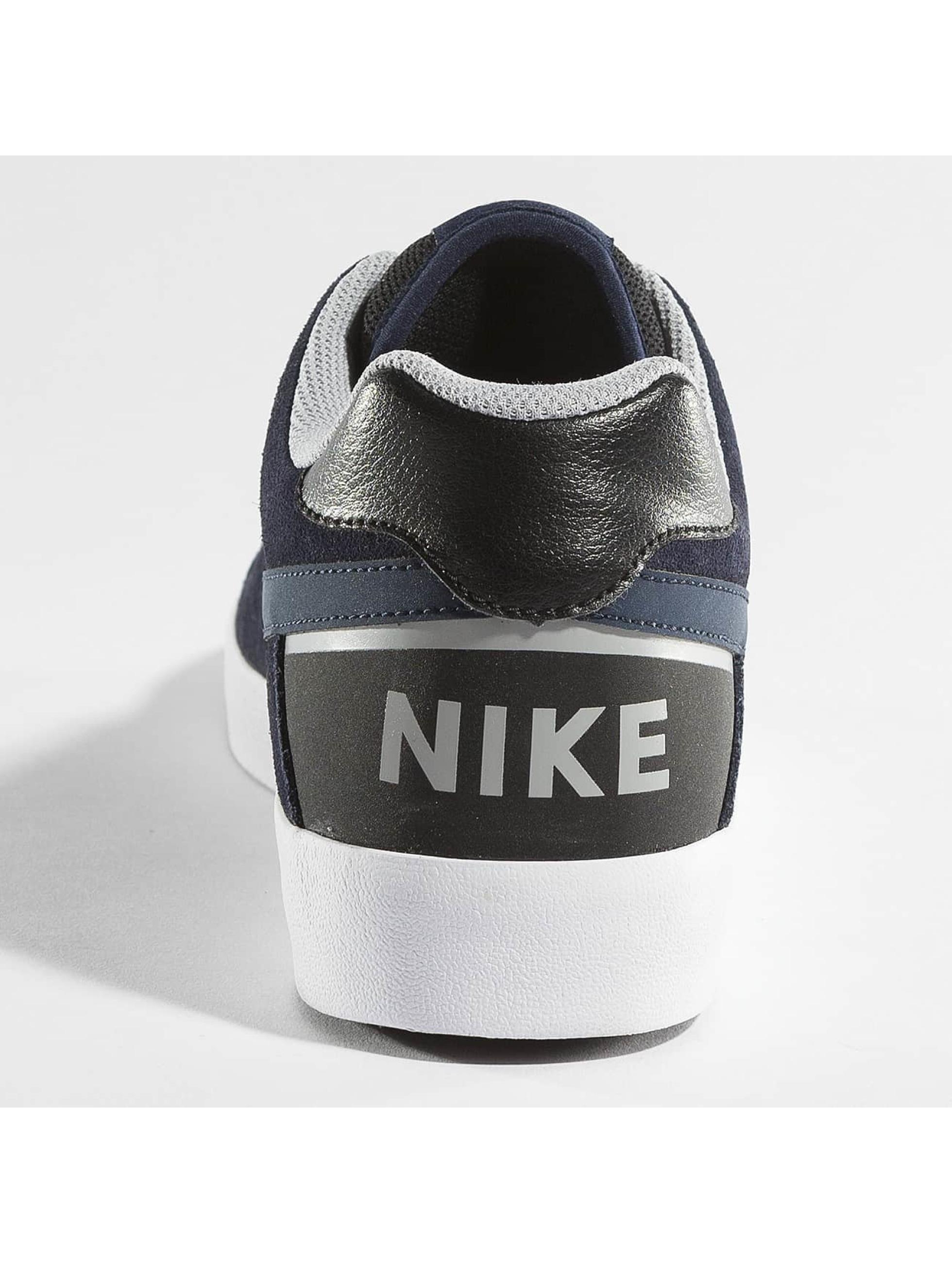 Nike Sneaker Delta Force Vulc Skateboarding grau