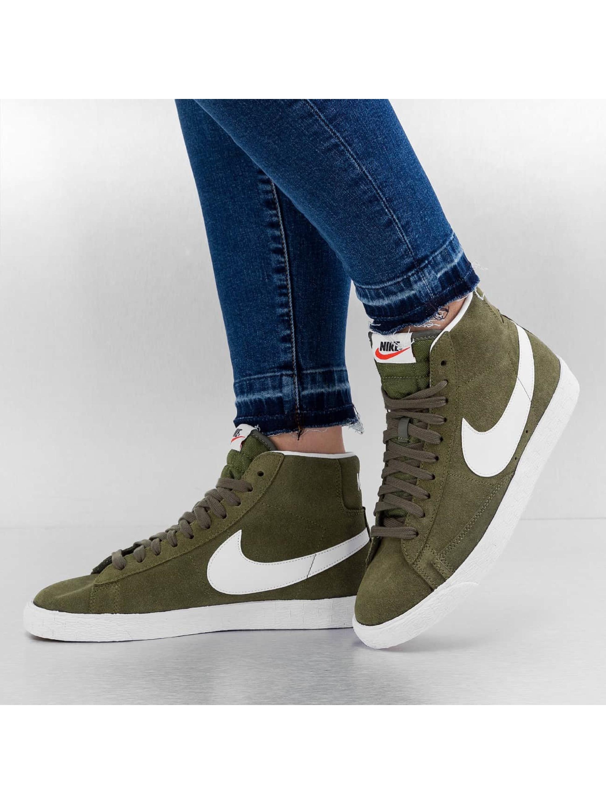 Nike schoen / sneaker WMNS Blazer Mid Suede in groen