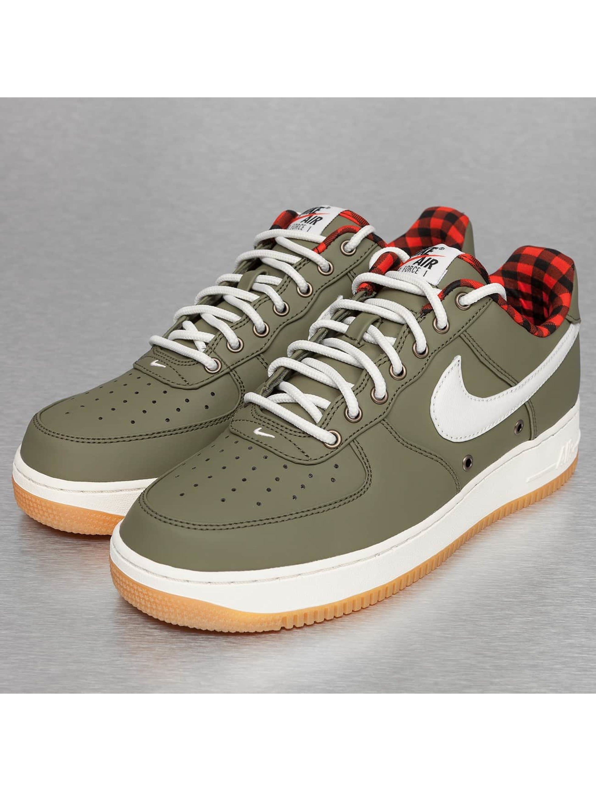 Nike schoen / sneaker Air Force 1 '07 LV8 in olijfgroen