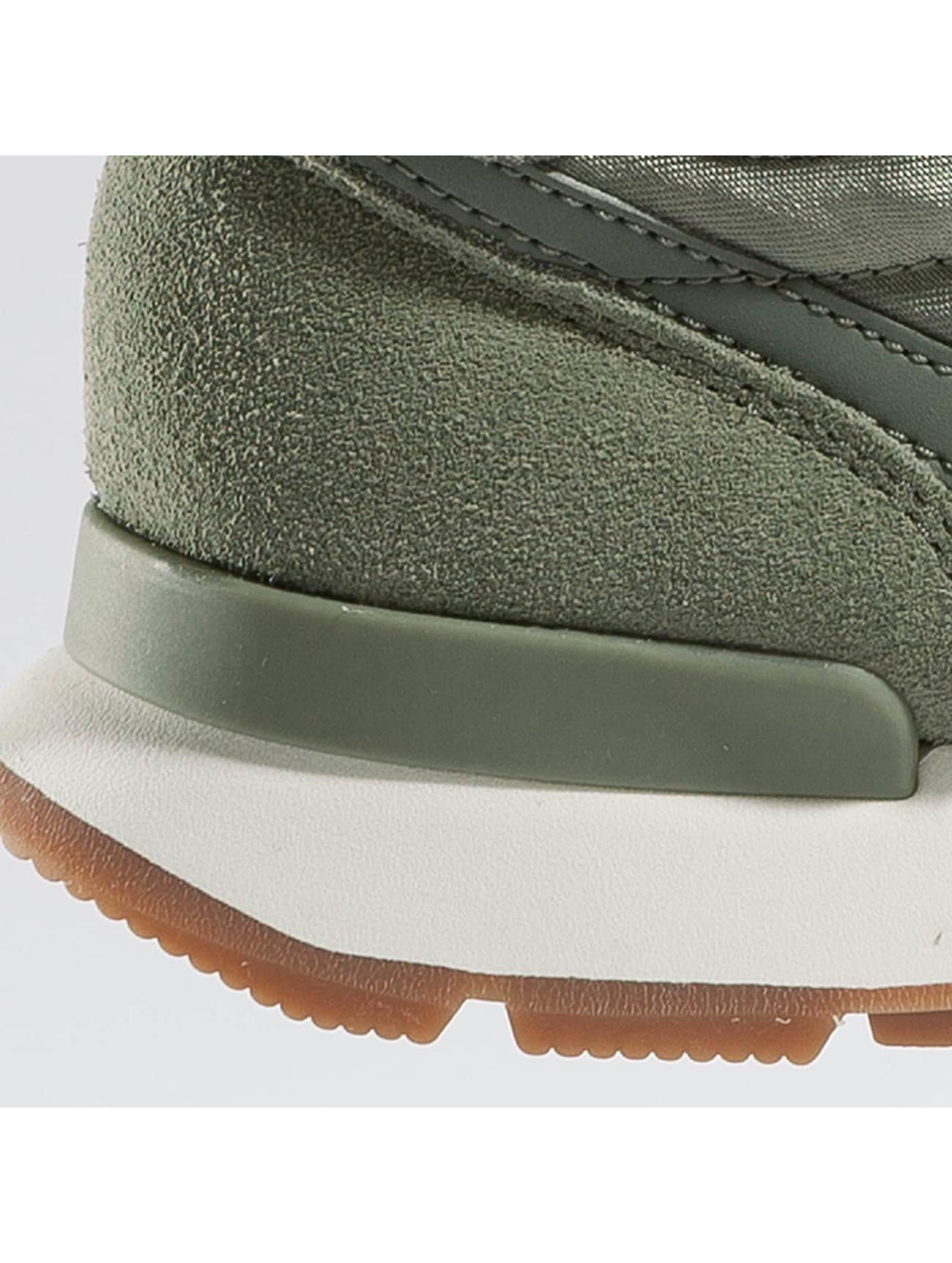 Nike Sneaker WMNS Internationalist olive