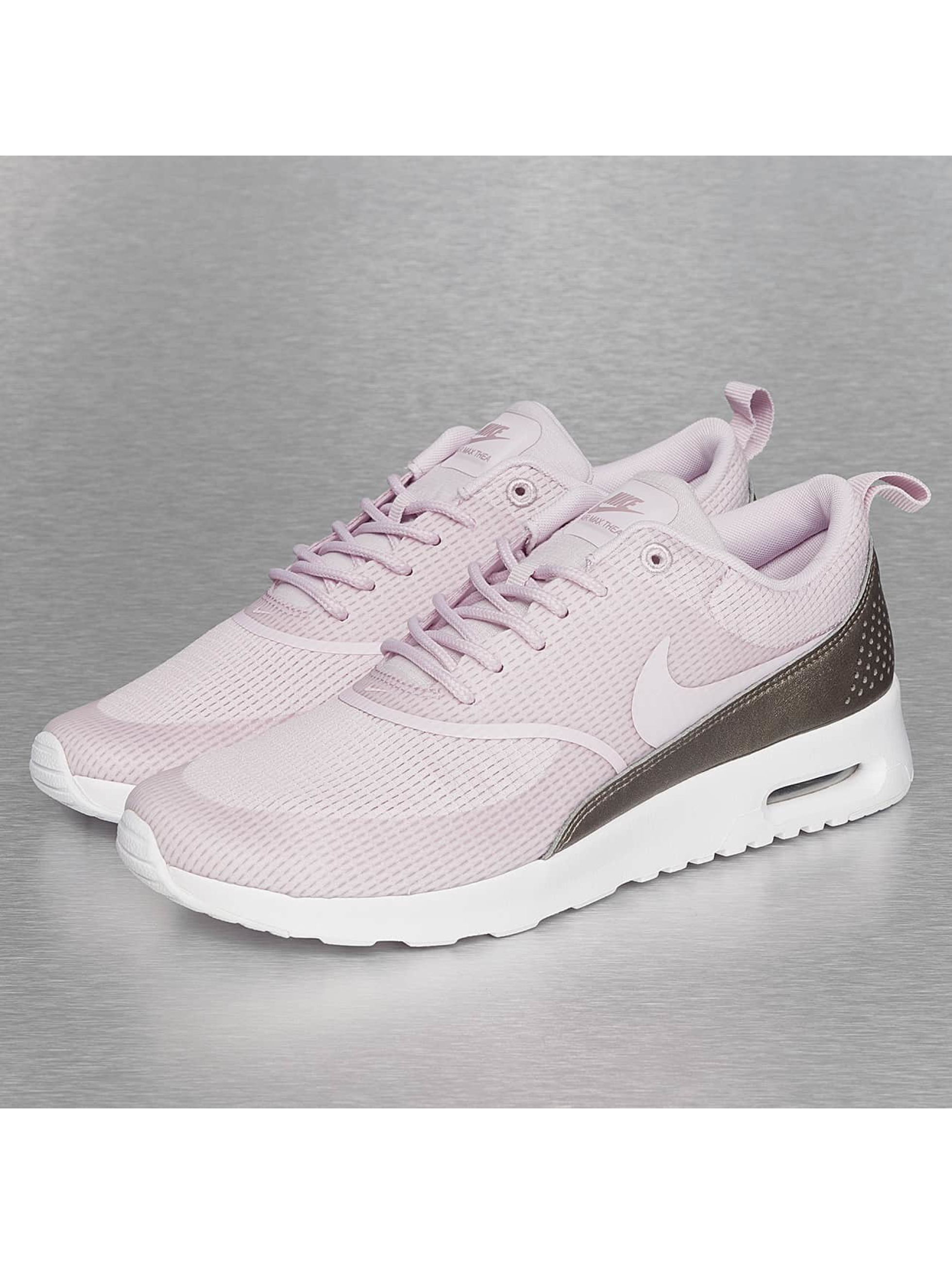 Een Paarse Nike Air Max Thea Textile