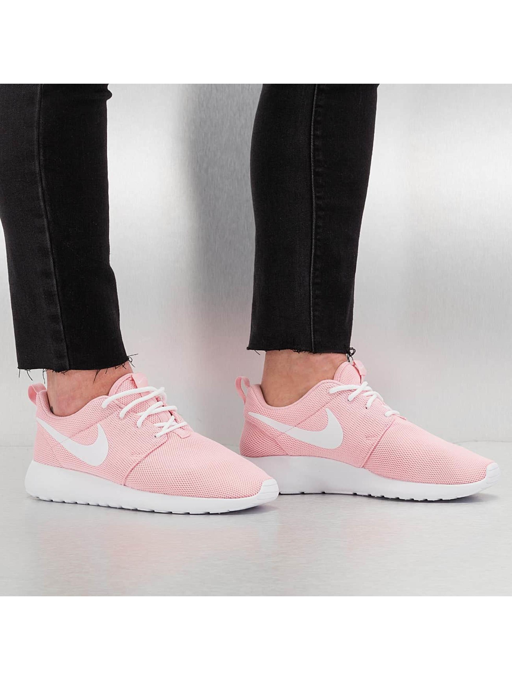 Sneaker Rosherun in rosa