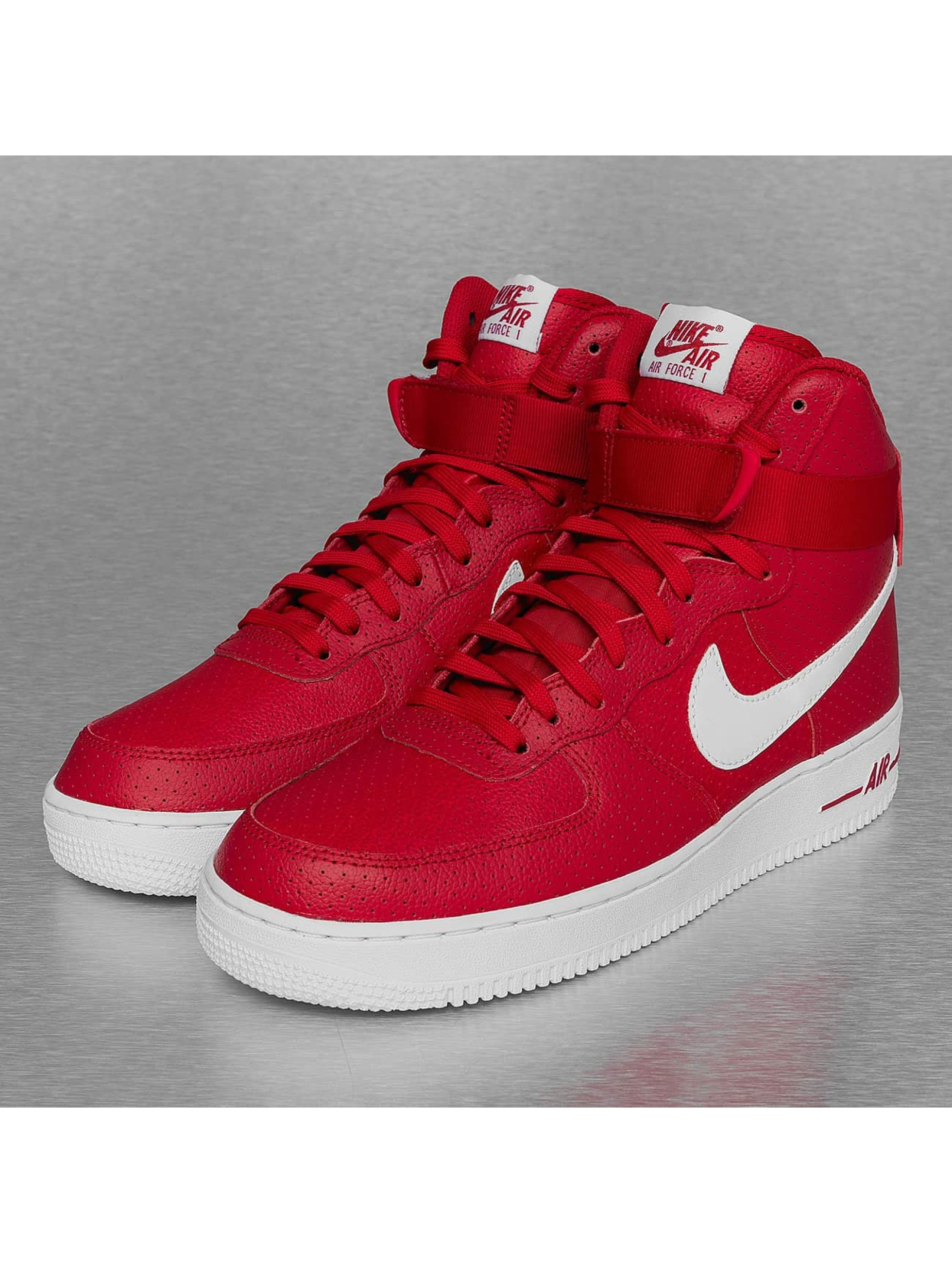 Sneaker Air Force 1 High 07 in rot