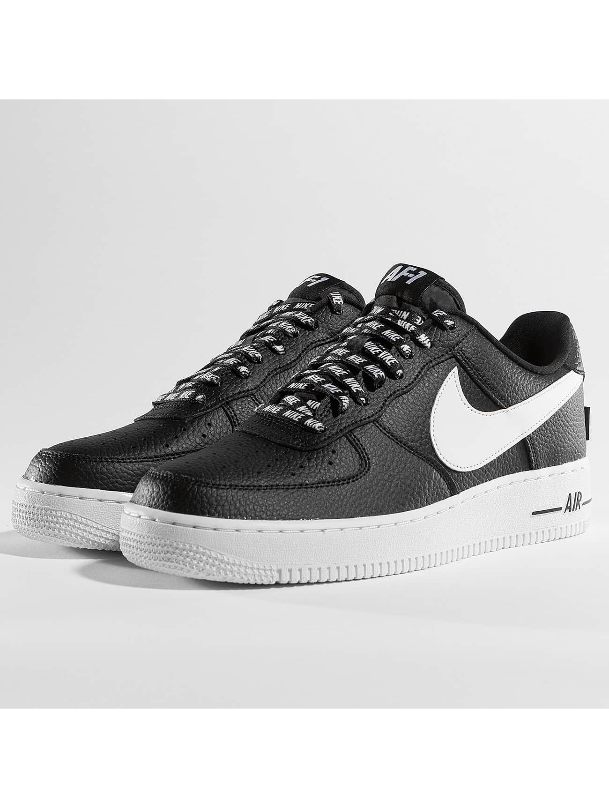 nike herren sneaker nike air force 1 07 39 lv8 in schwarz 363130. Black Bedroom Furniture Sets. Home Design Ideas