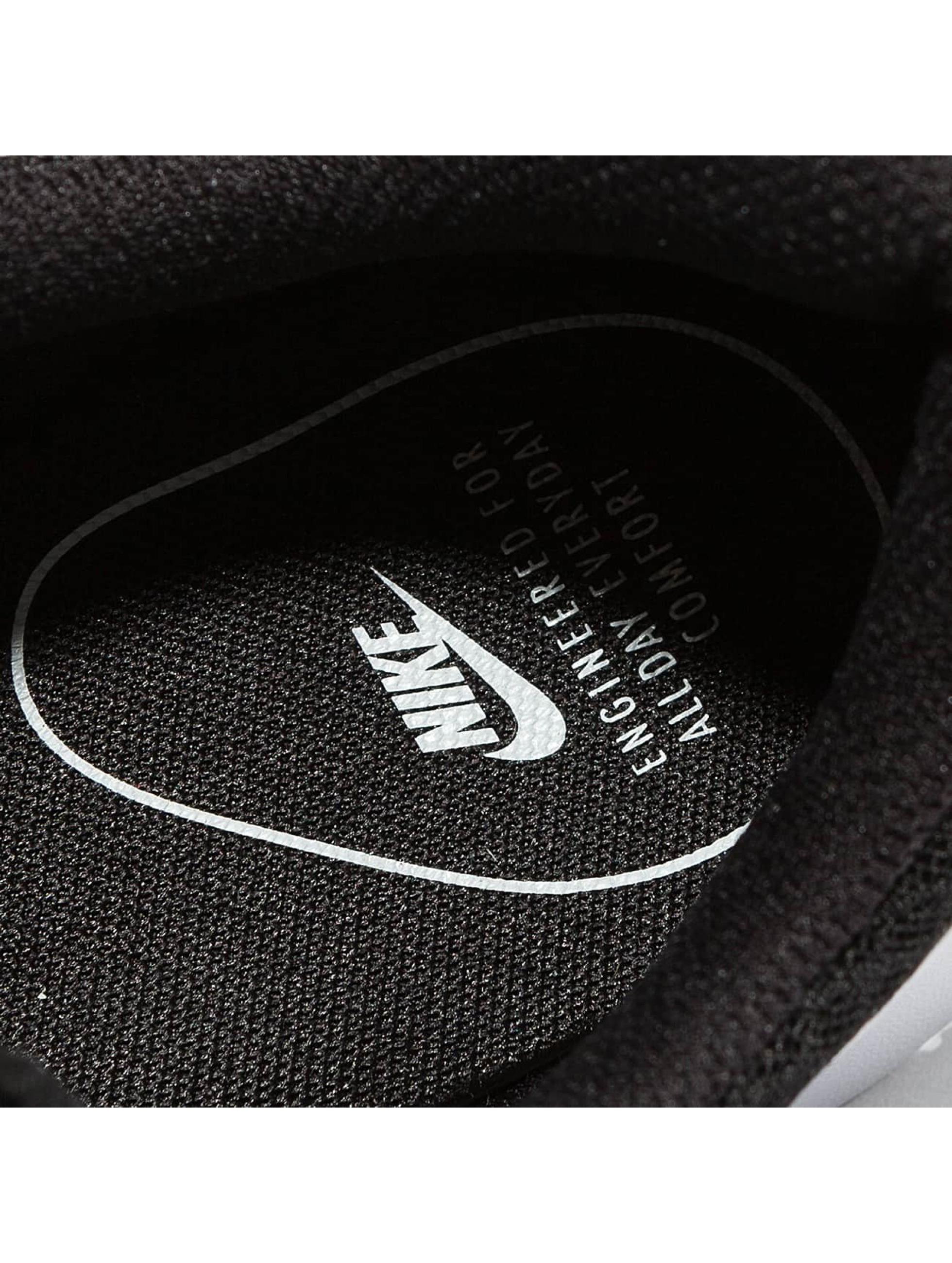 Nike Sneaker Tanjun schwarz