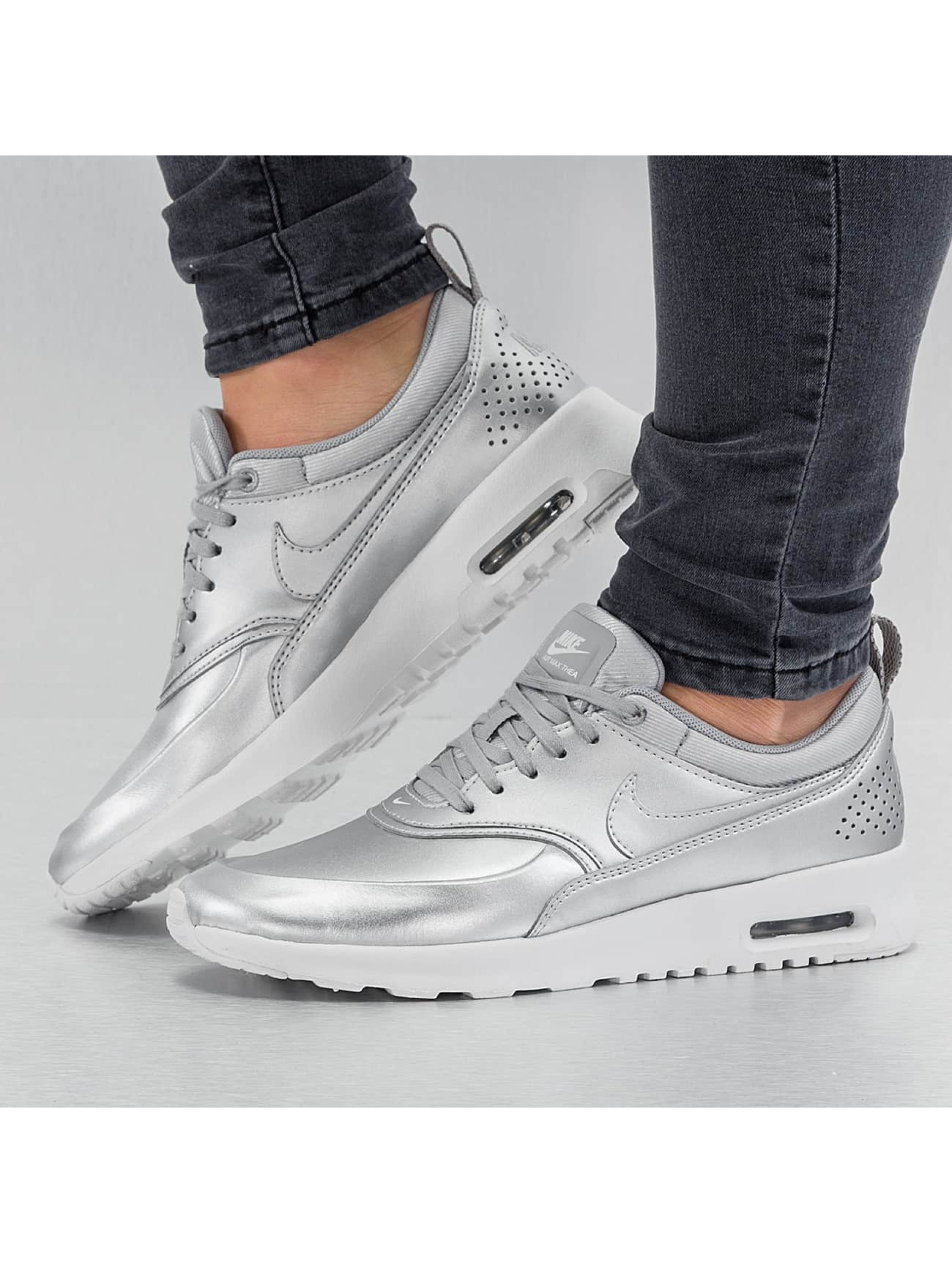 Sneaker Air Max Thea SE in silberfarben