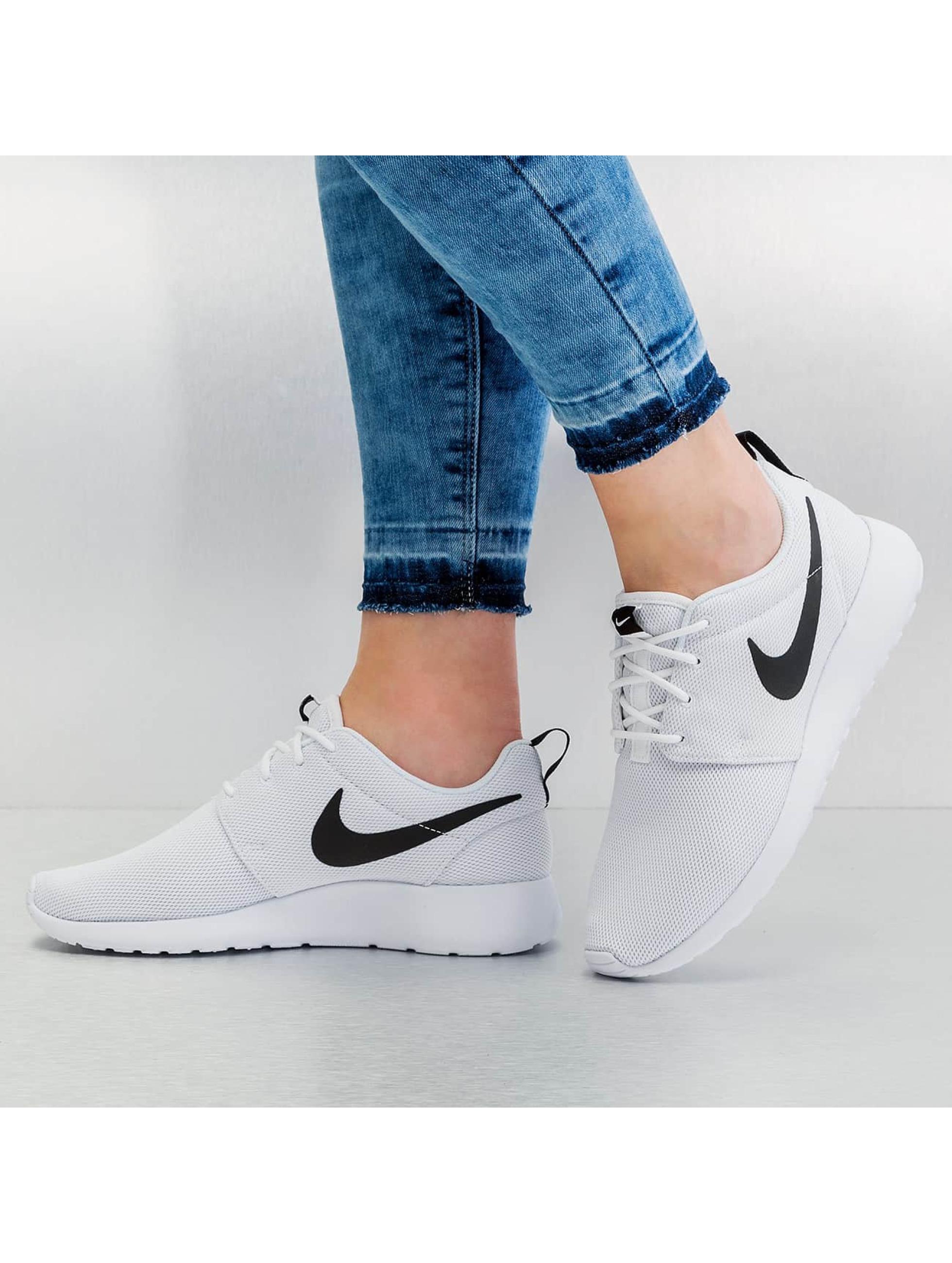 Nike Sneaker Roshe One weiß