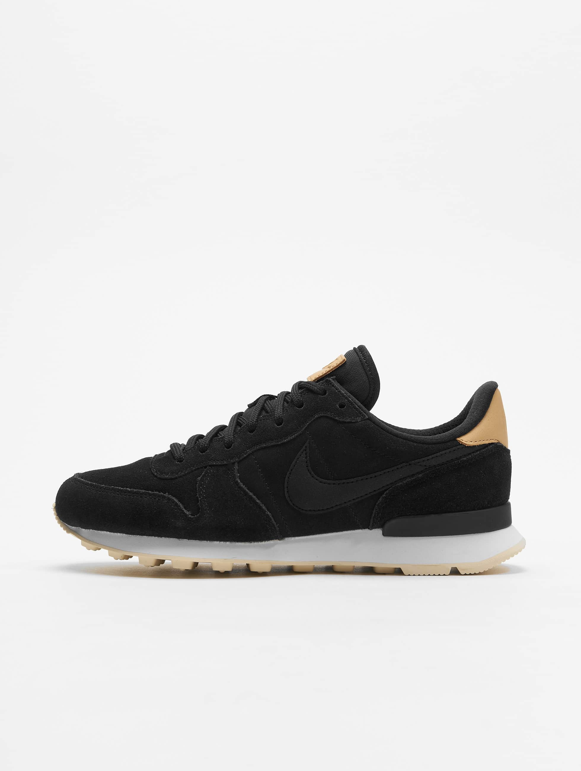 Nike W Internationalist Prm Low Top Sneakers BlackBlackSummit WhiteLight Cream