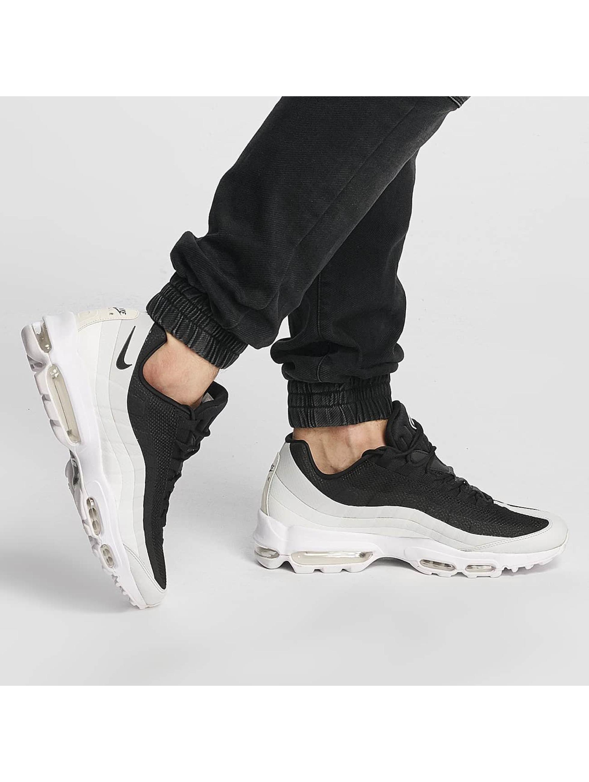 Nike Sneakers Air Max 95 Ultra Essential èierna