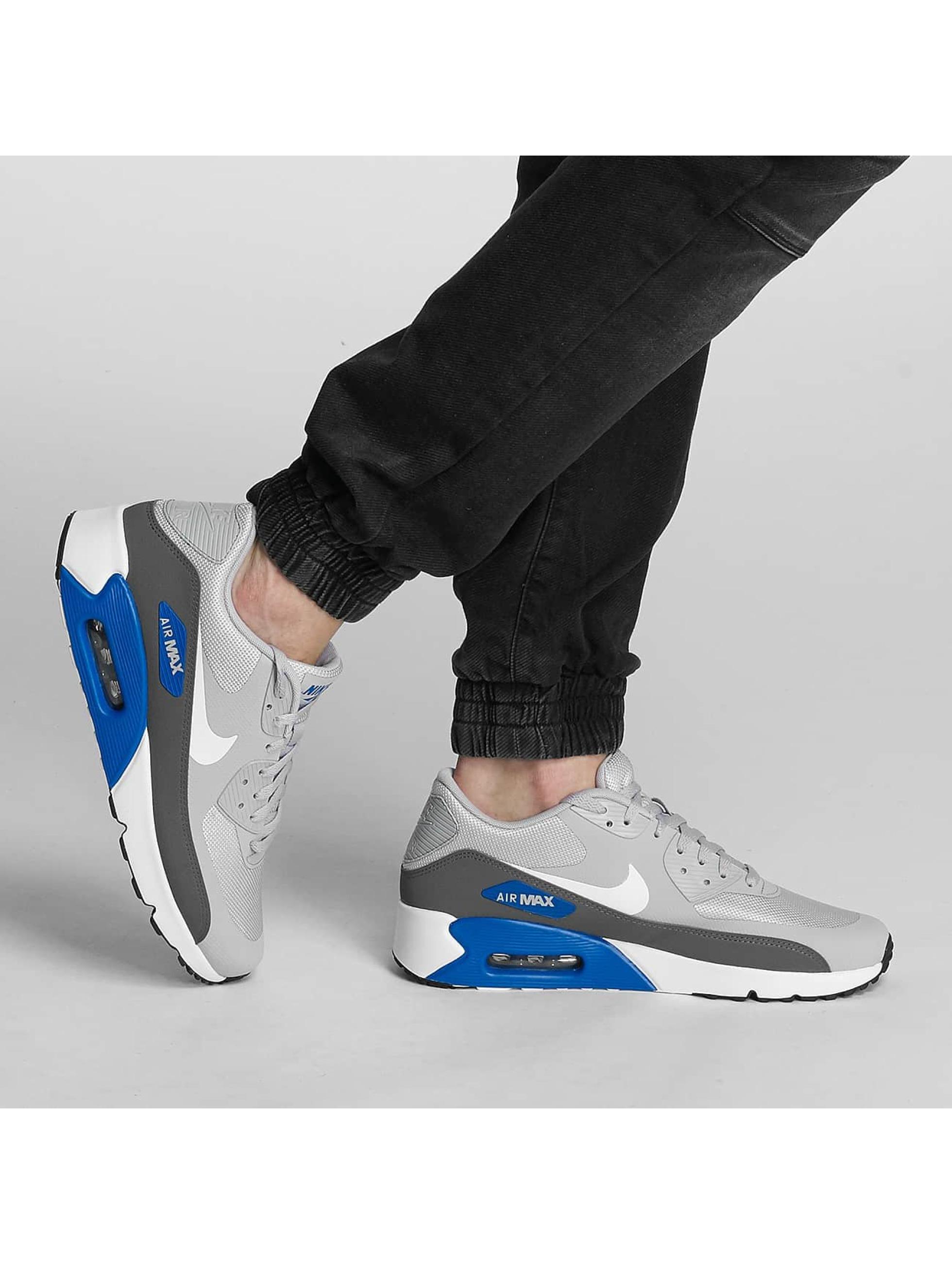 Nike Sneakers Air Max 90 Ultra 2.0 Essential šedá