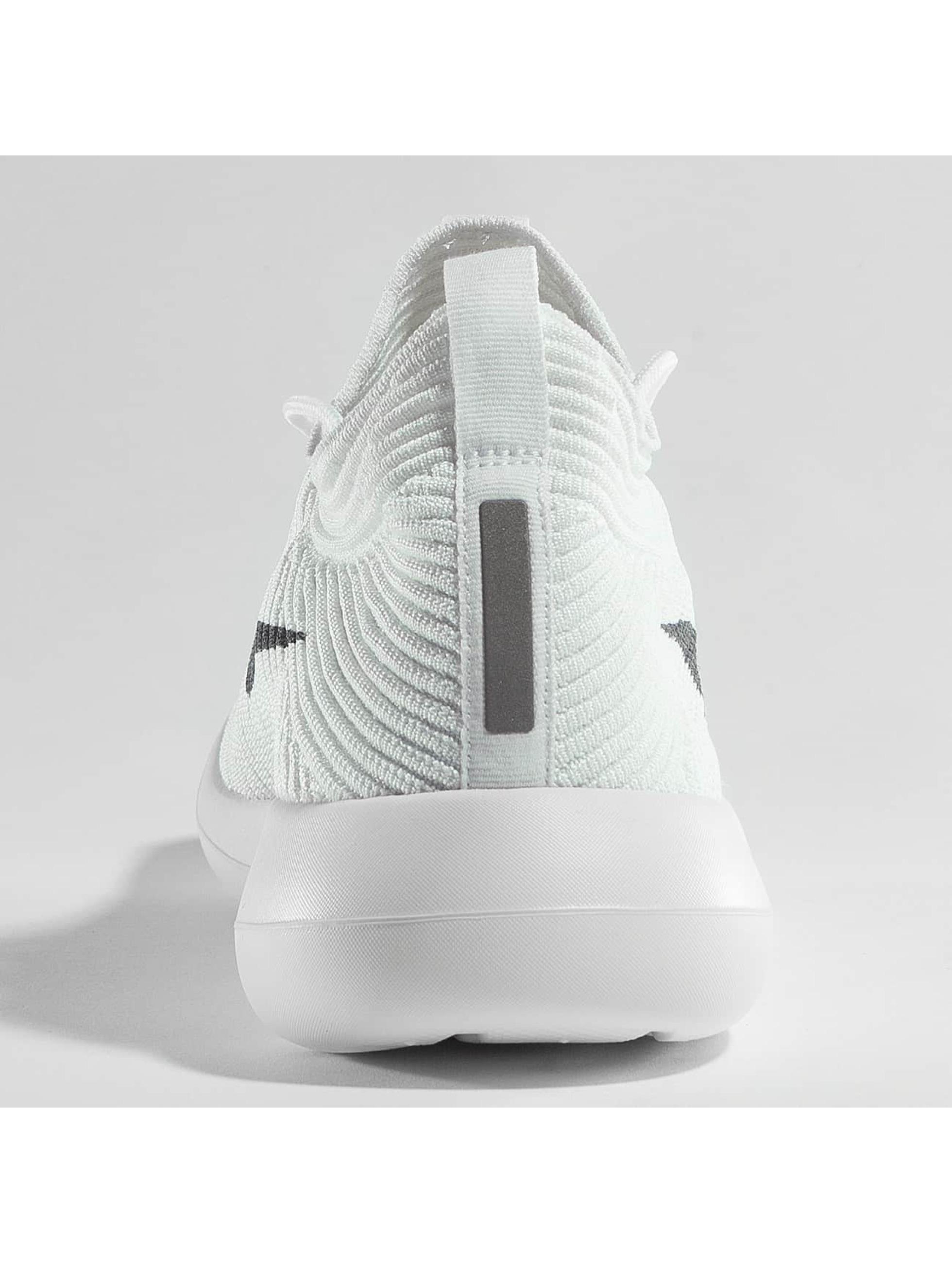 Nike Sneakers Roshe Two Flyknit V2 biela