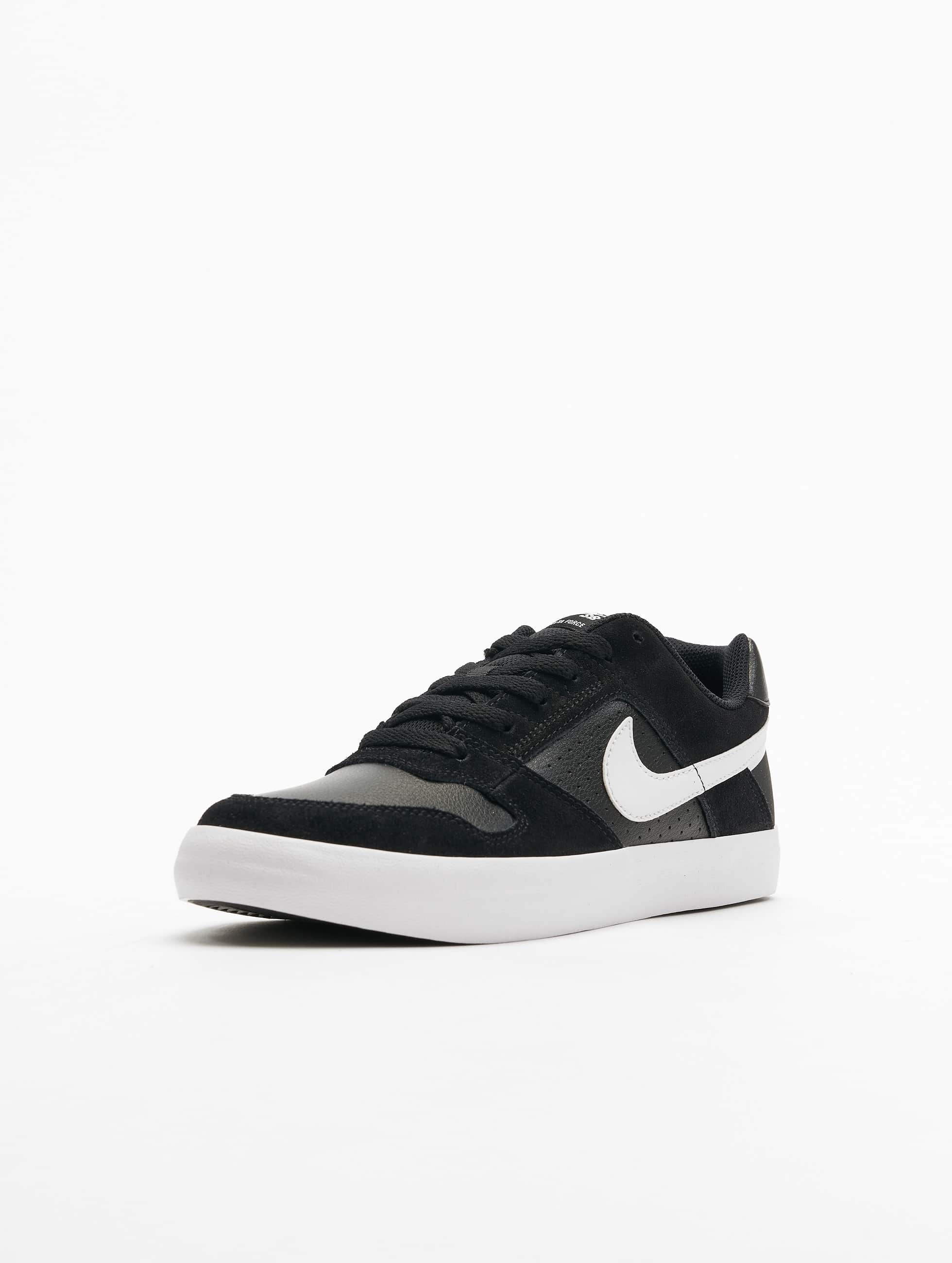 Nike Sneakers SB Delta Force Vulc Skateboarding black
