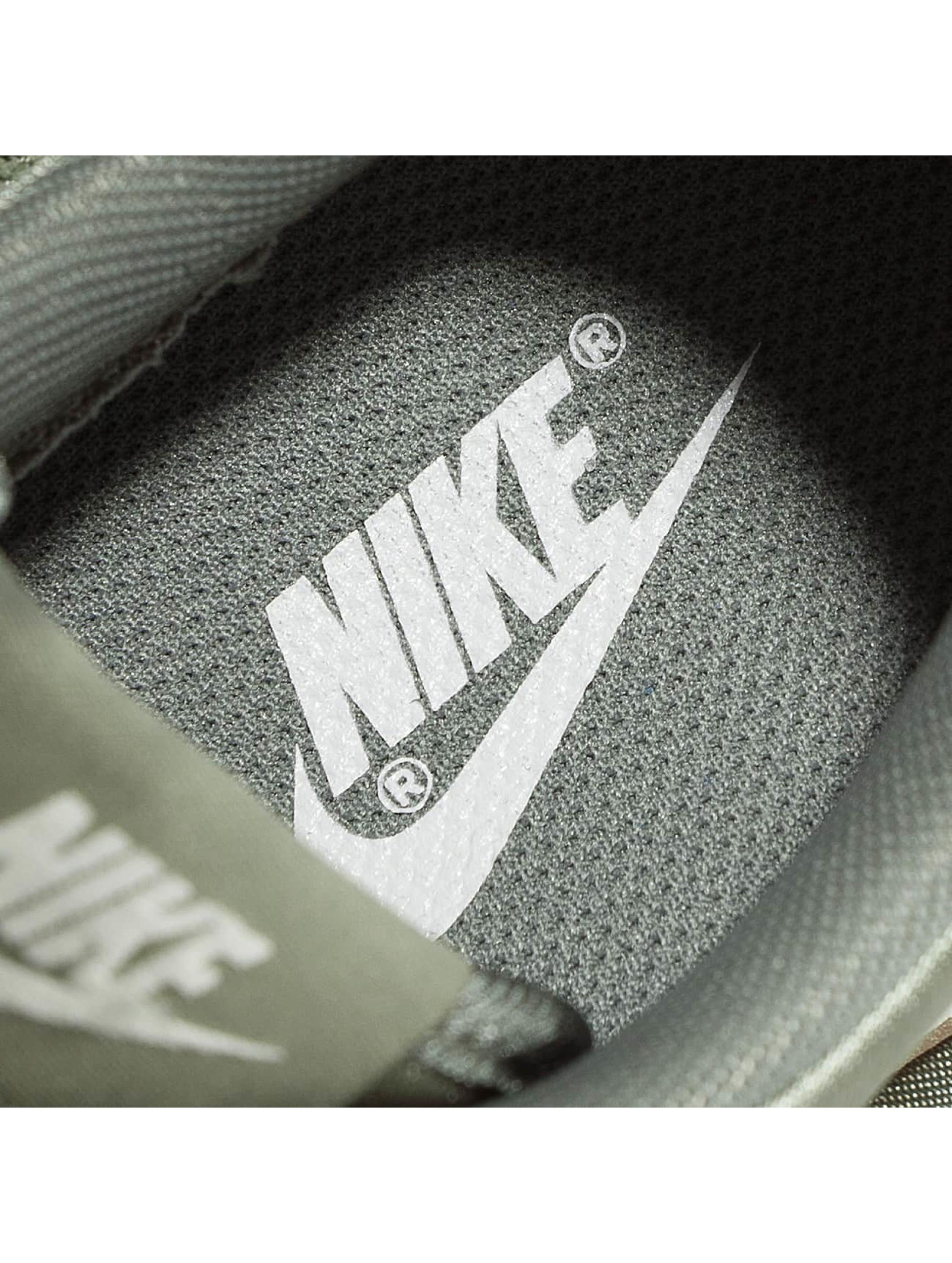 Nike Sneakers WMNS Internationalist olivová