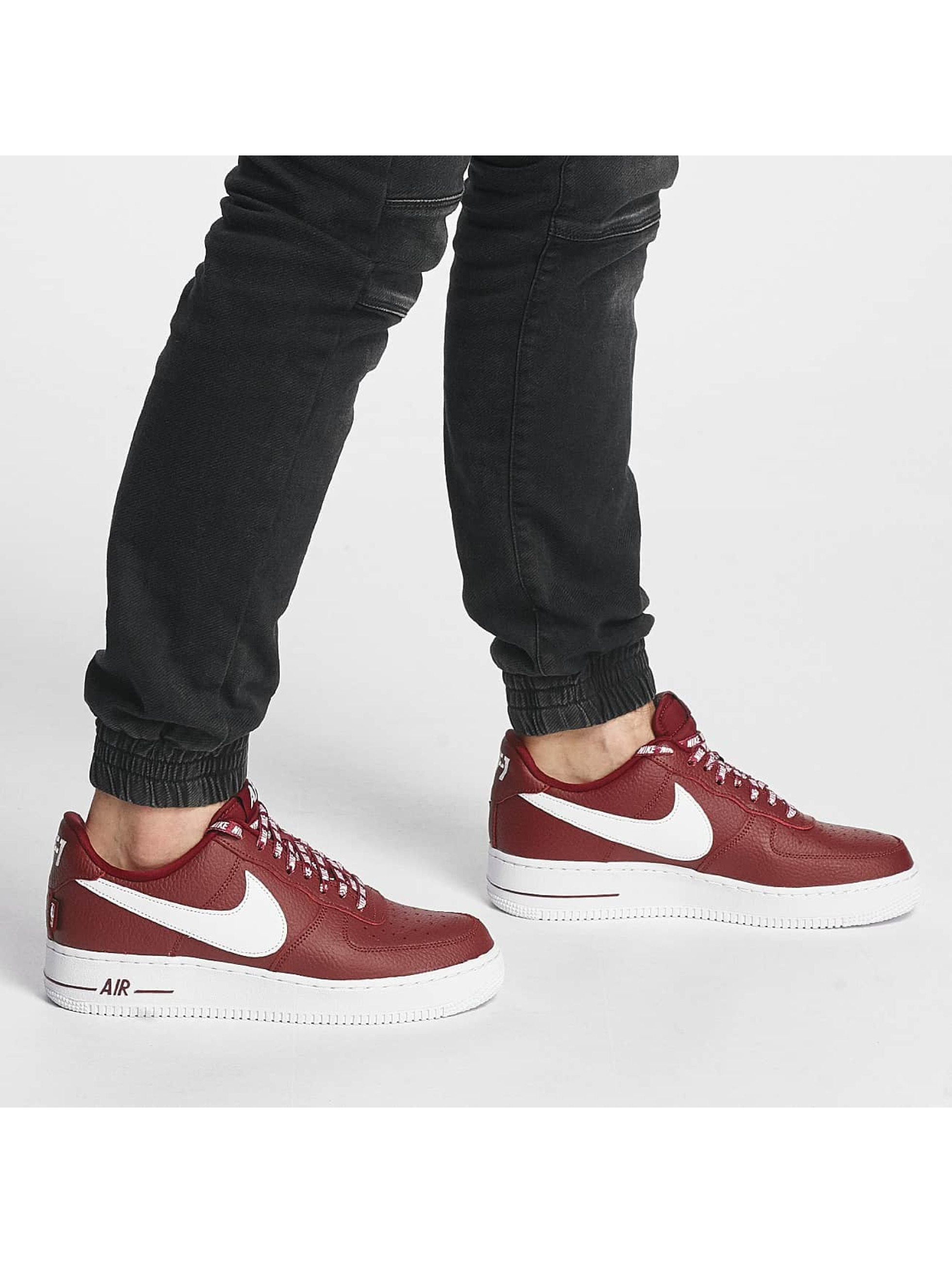 Nike Sneakers Air Force 1 07' LV8 red