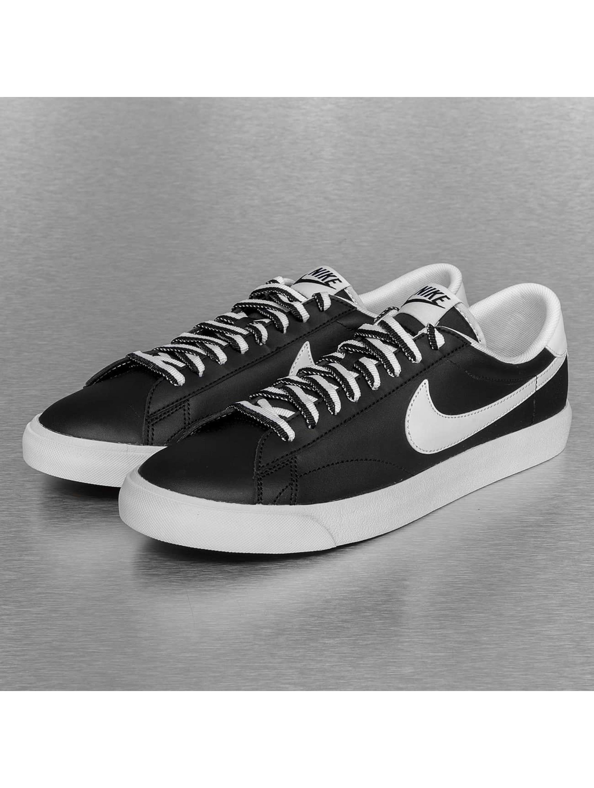 Nike Tennarit Tennis Classic AC musta