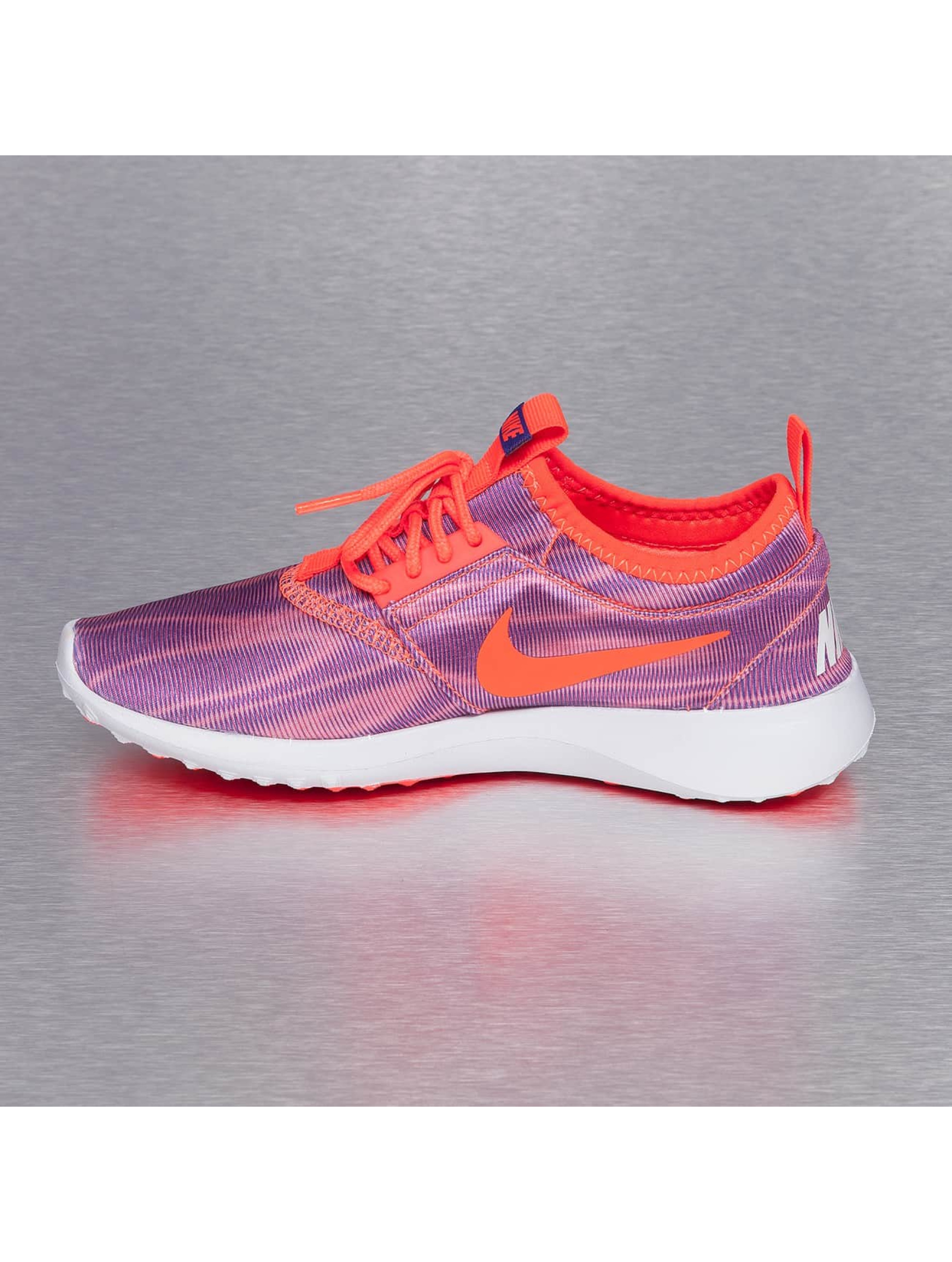 Nike Tennarit WMNS Juvenate Print purpuranpunainen
