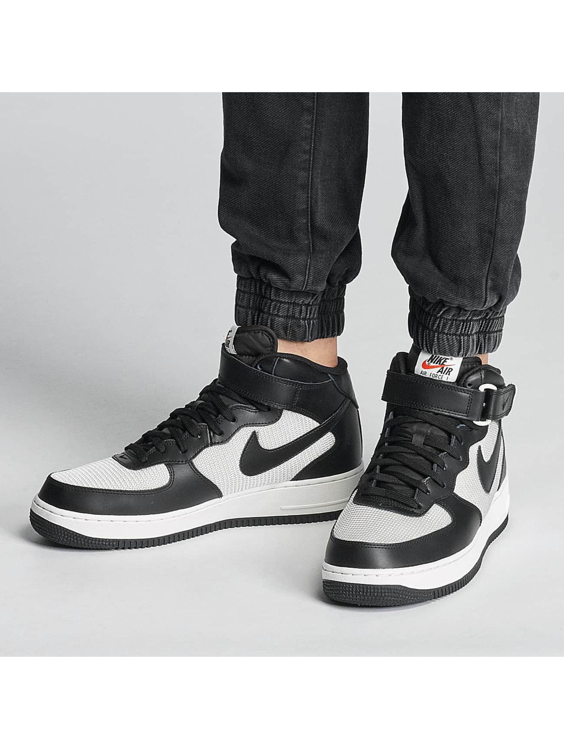 Nike Zapatillas de deporte Air Force 1 Mid 07 negro