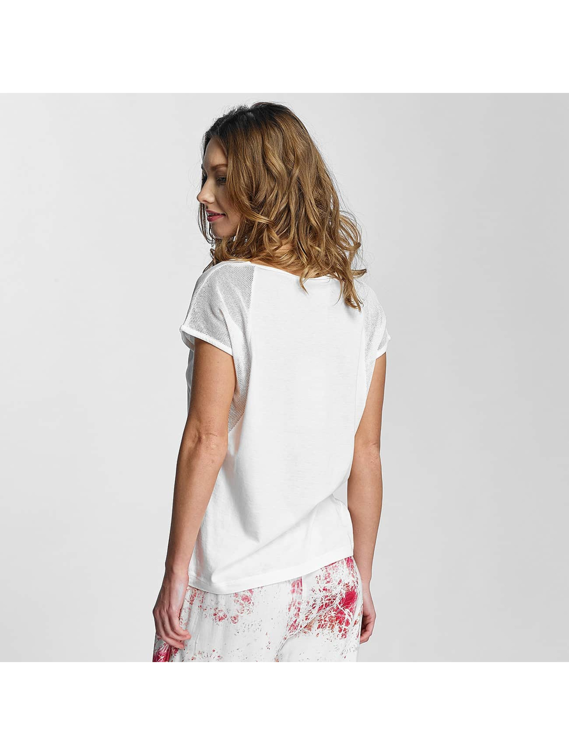 Nikita T-Shirt Float white