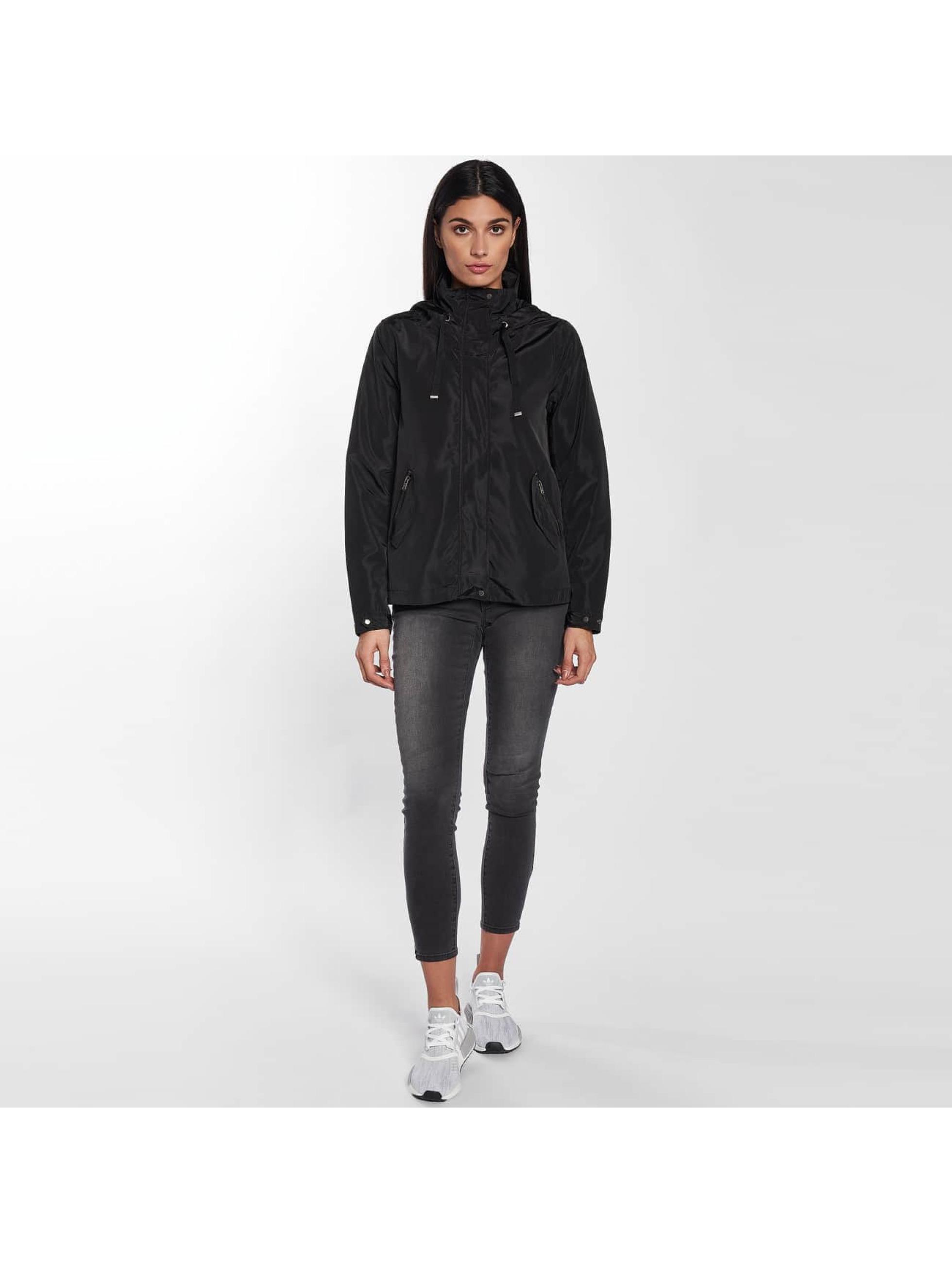 Only Демисезонная куртка onlLina Nylon Parka черный