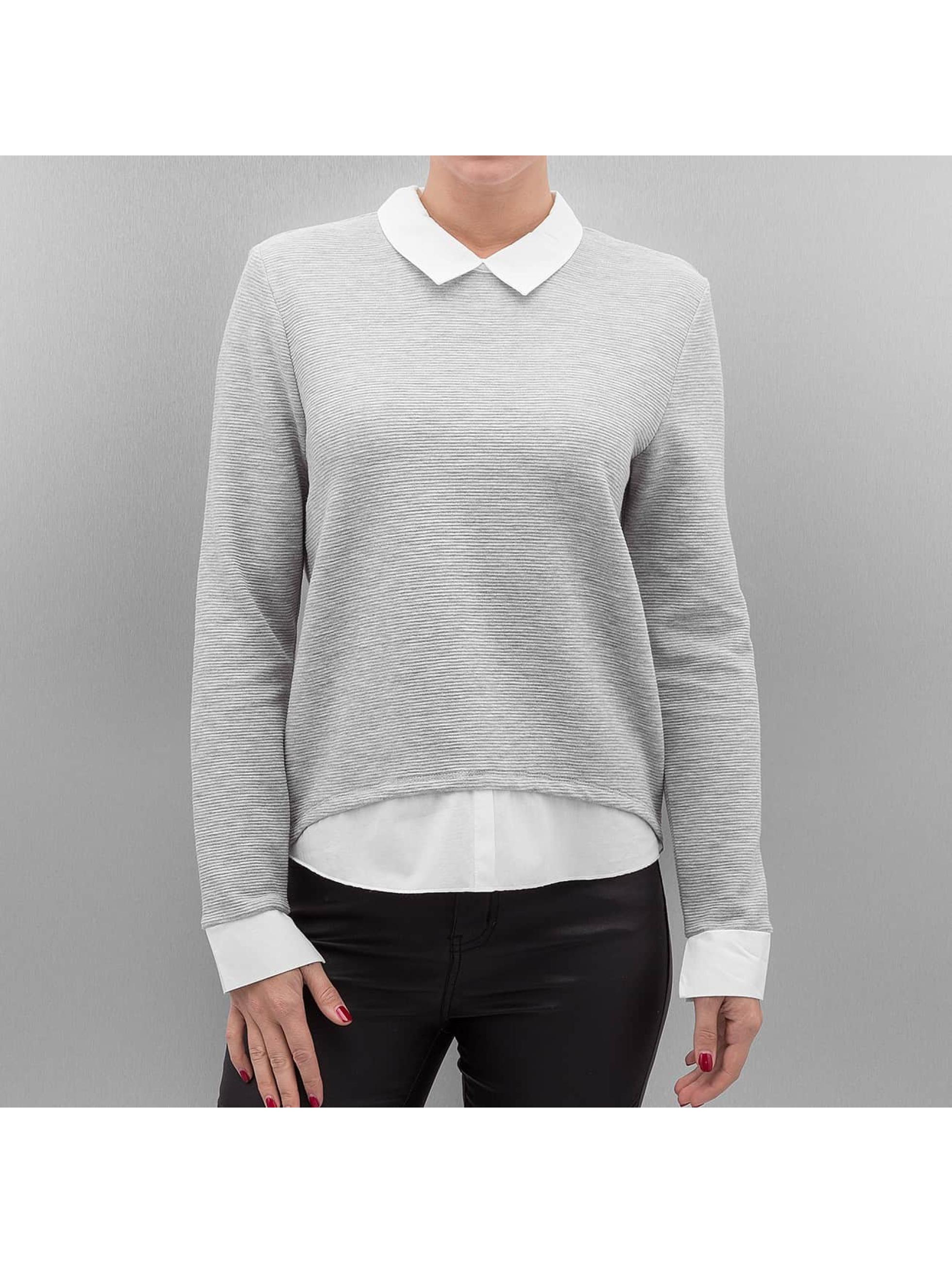 Only Haut / Pullover onlCarmen en gris