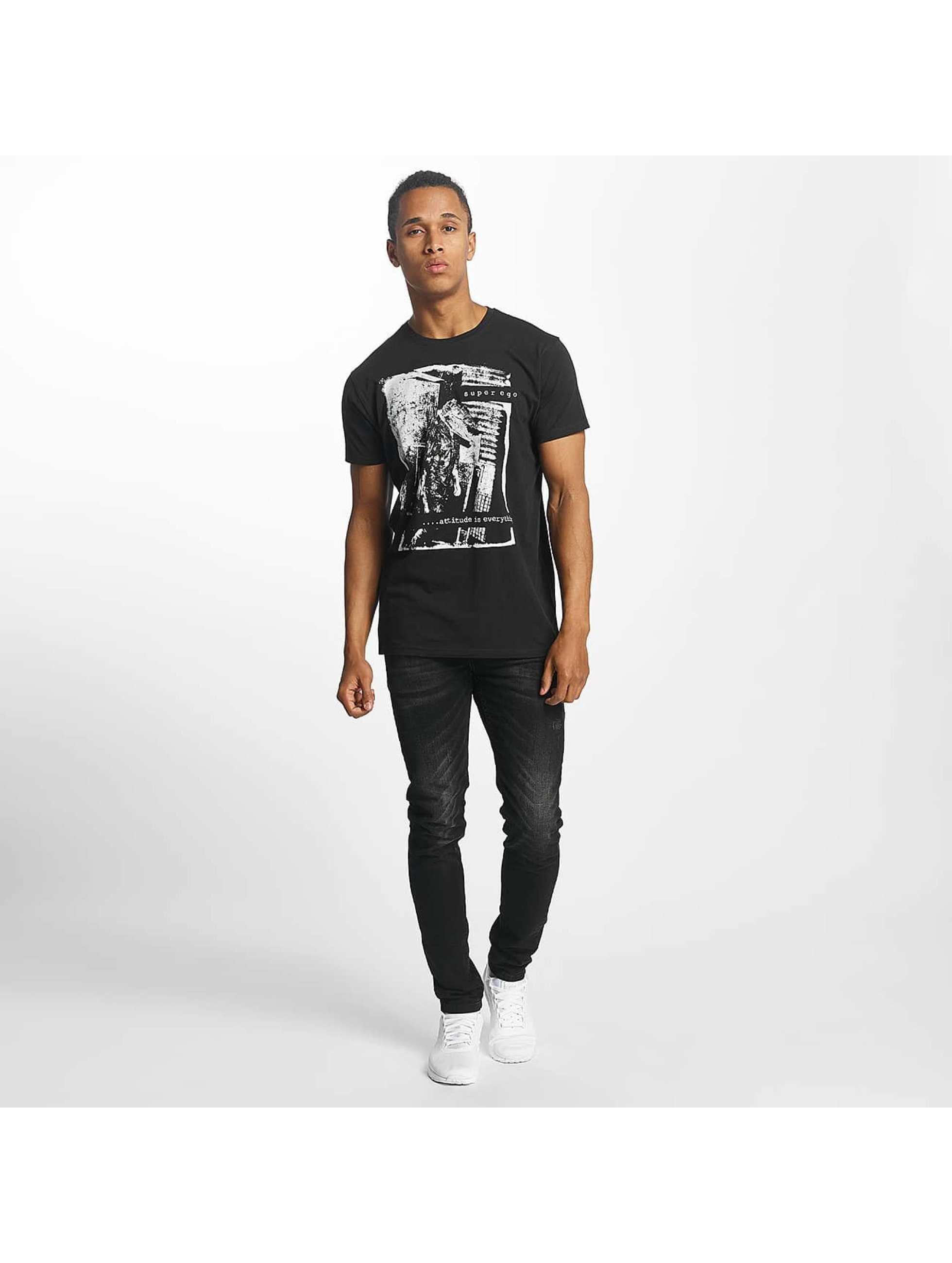 Paris Premium t-shirt Attitude is everything zwart