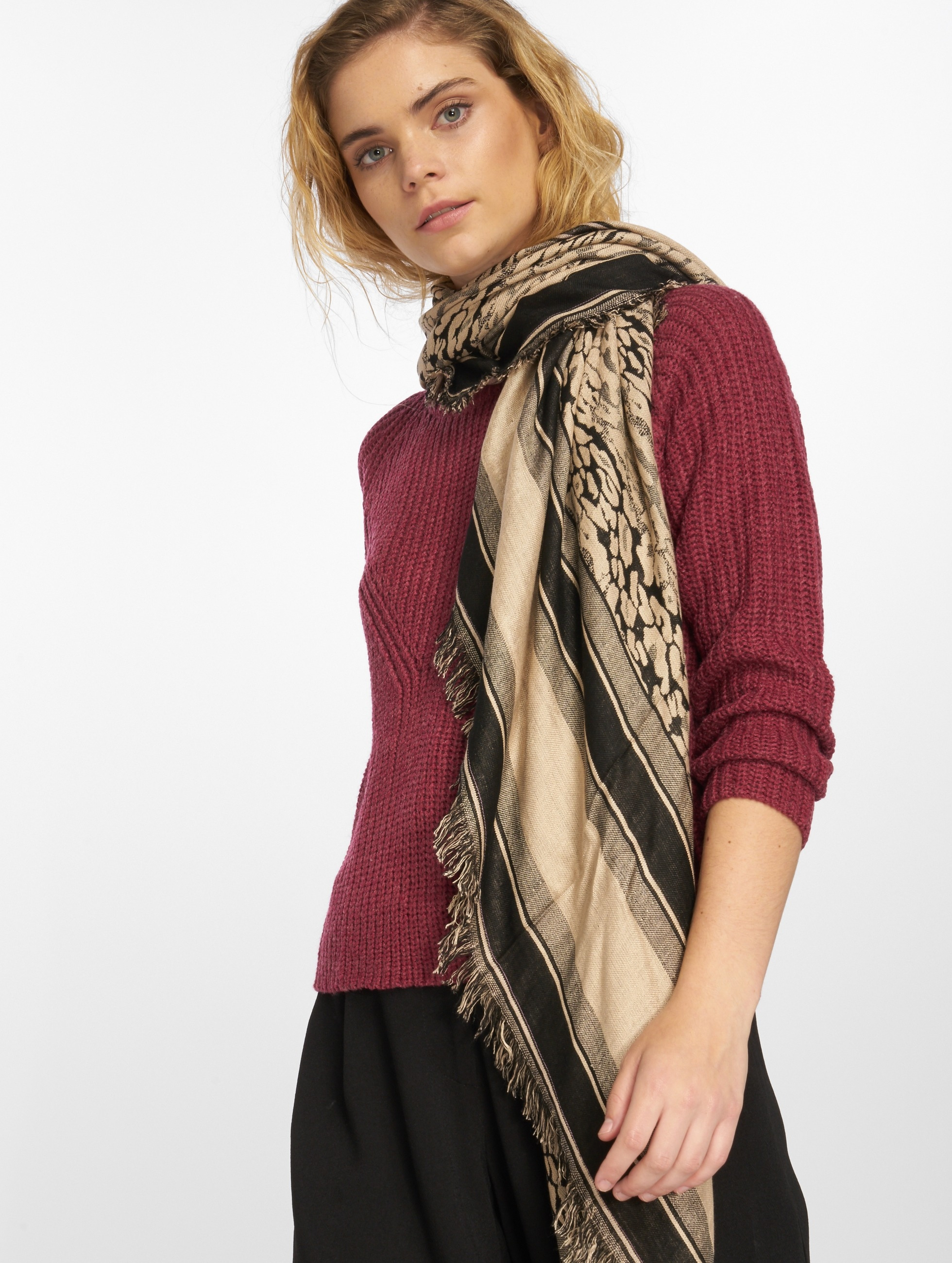 Pieces Scarve / Shawl pcEave Square rose