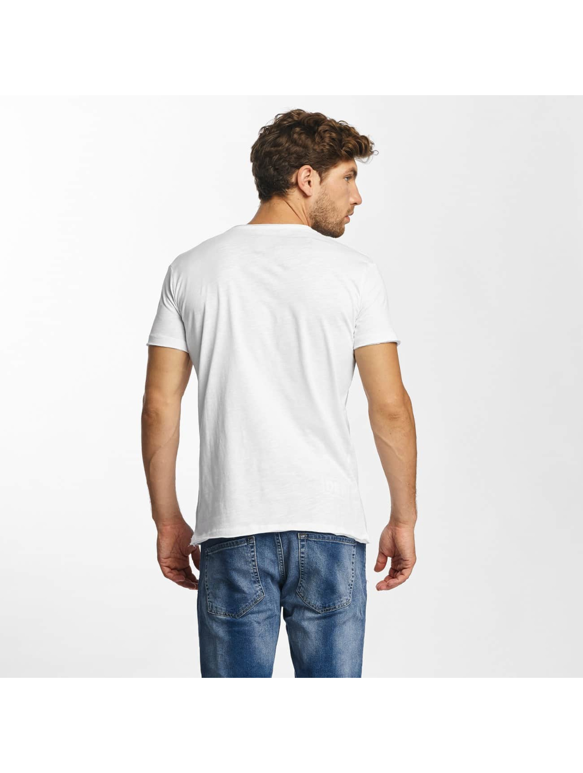 Red Bridge T-Shirt Noble Skull blanc