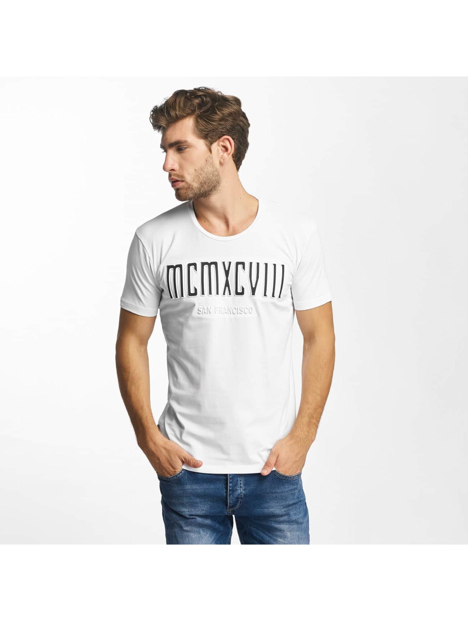 Red Bridge t-shirt MCMXCIII Modern Characters wit