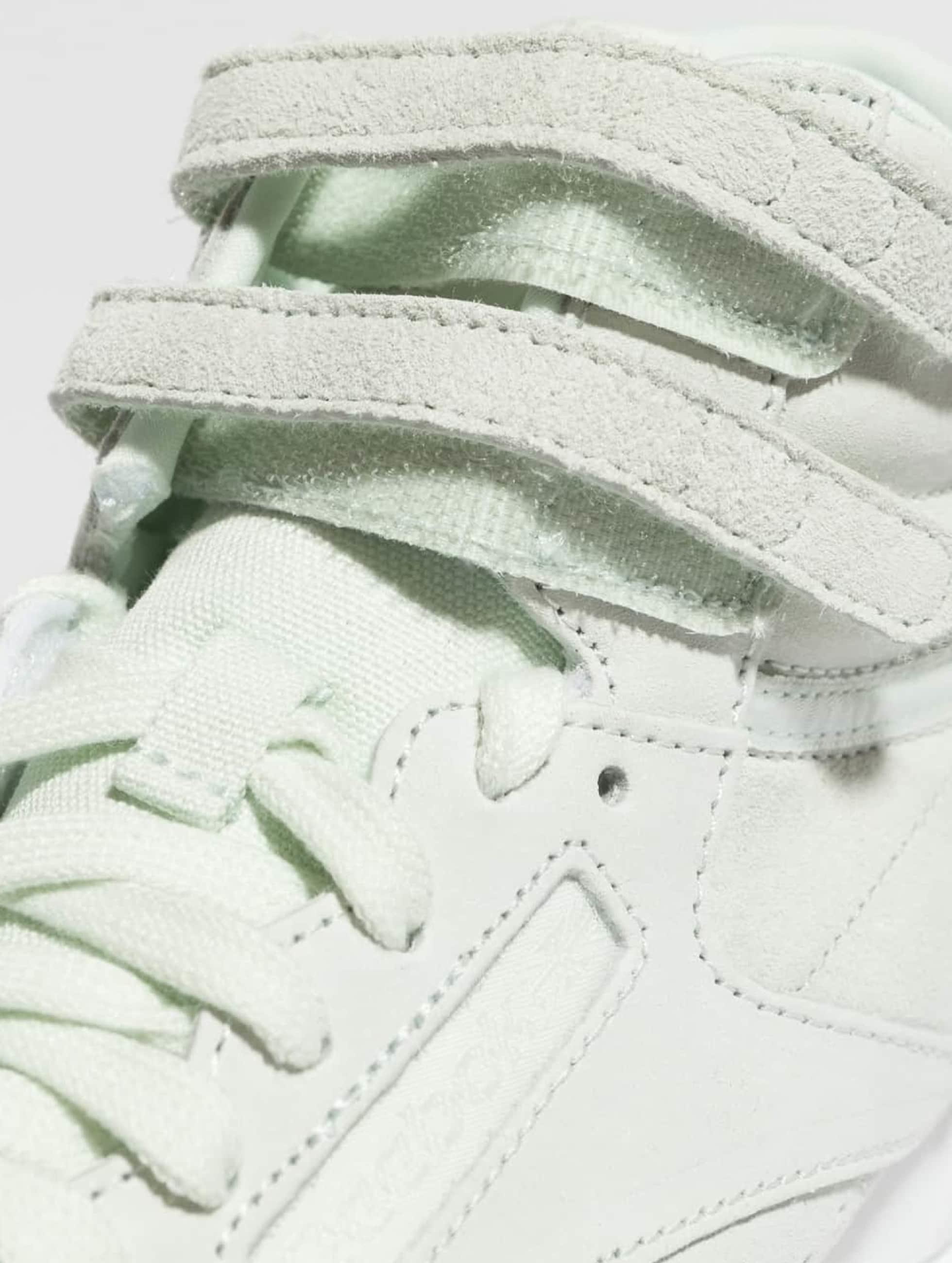Reebok Sneaker Freestyle Hi Nubuk grün