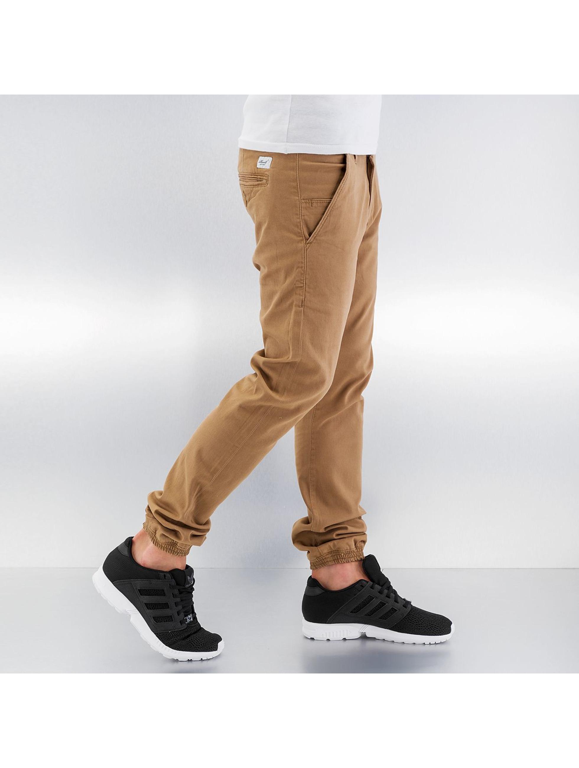 Reell Jeans Chino Jogger braun