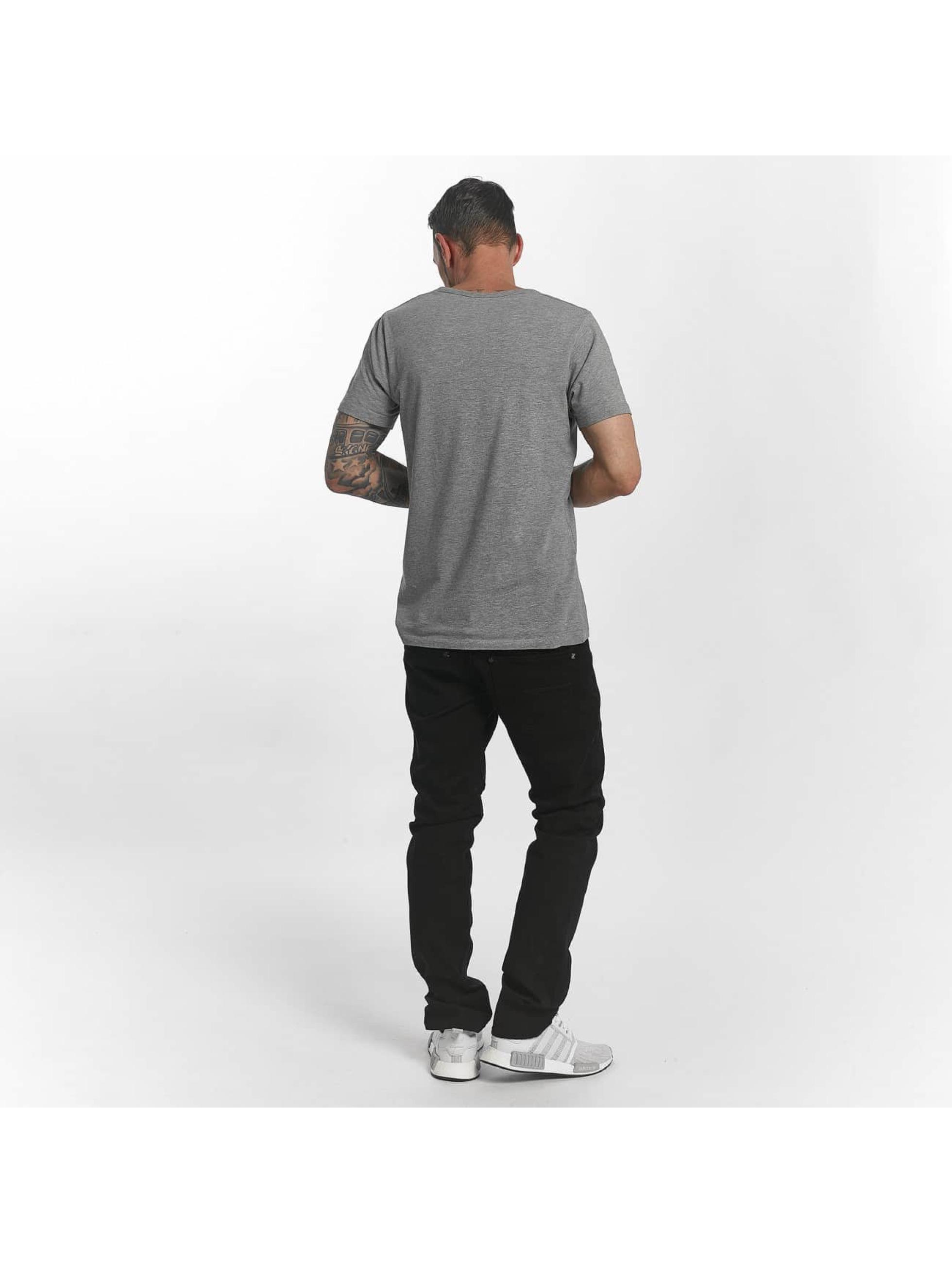 Reell Jeans Straight Fit farkut Trigger 2 musta