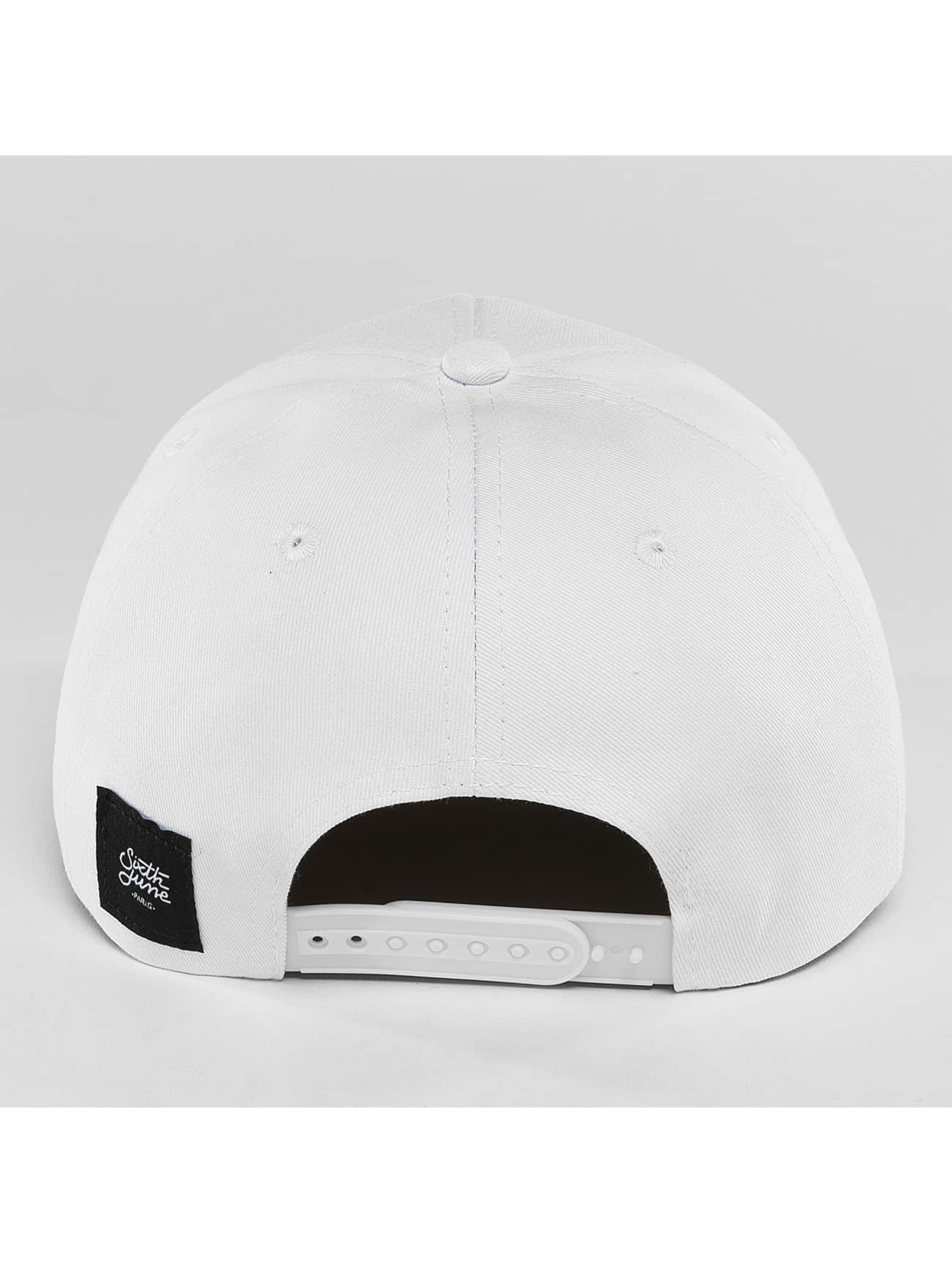 Sixth June Snapback Cap Curved Logo weiß