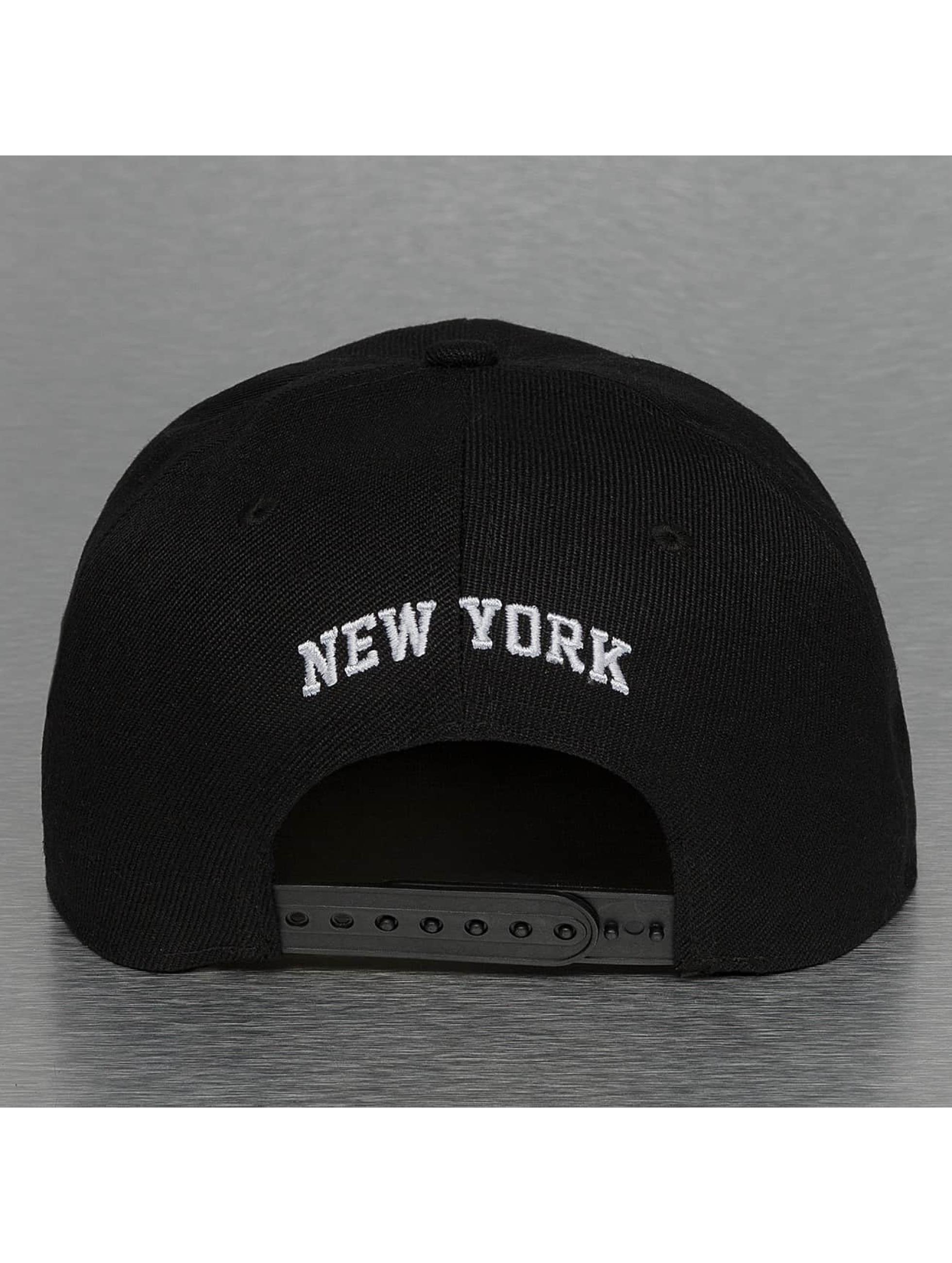 TrueSpin Snapback Cap New York City black