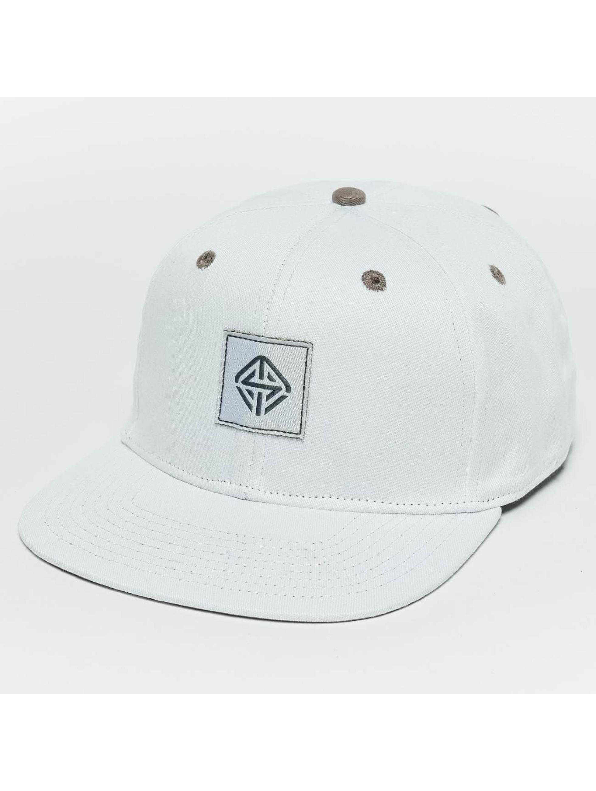 TrueSpin Snapback Caps Next Level hvit