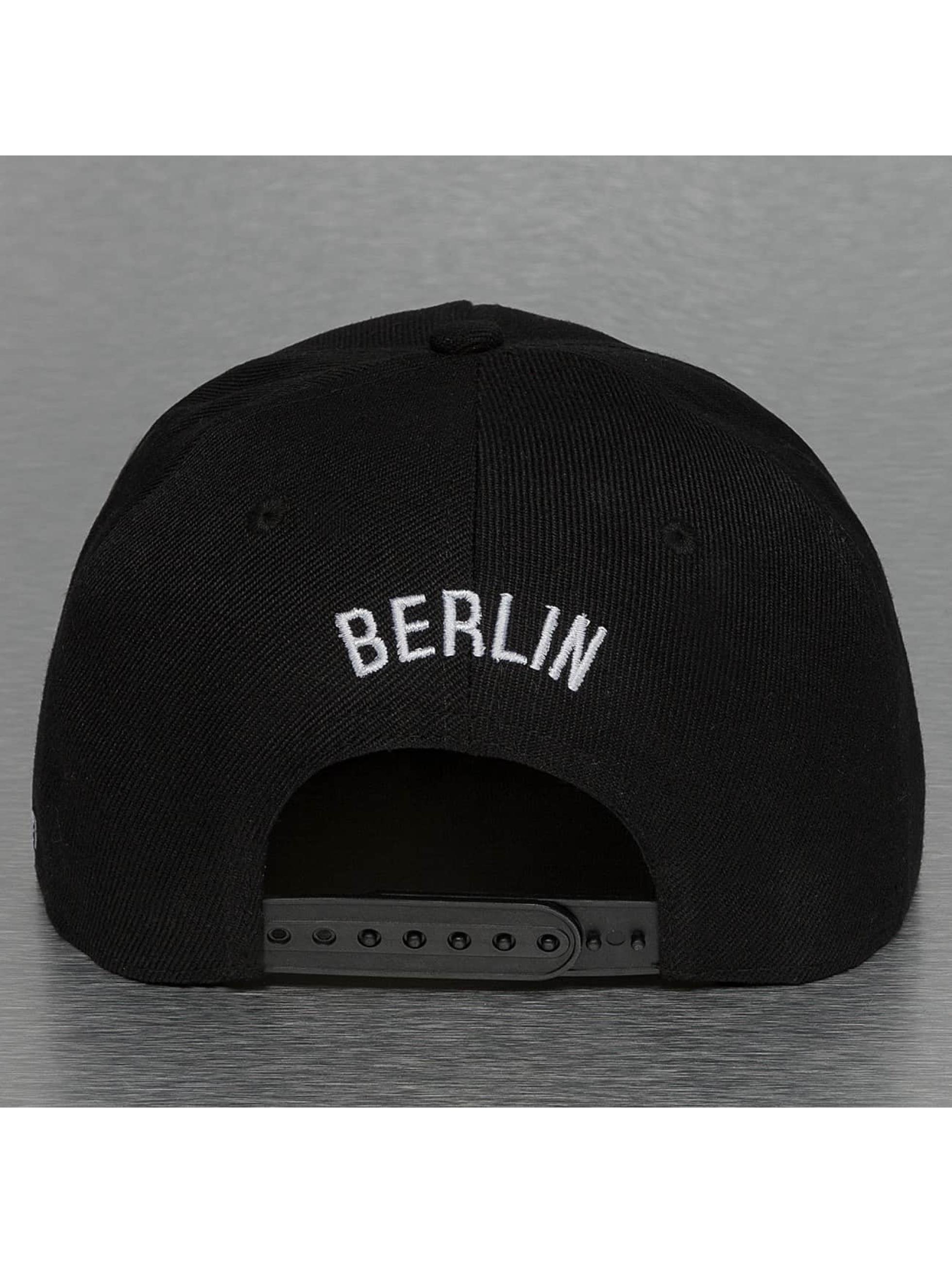 TrueSpin Snapback Caps Berlin City musta