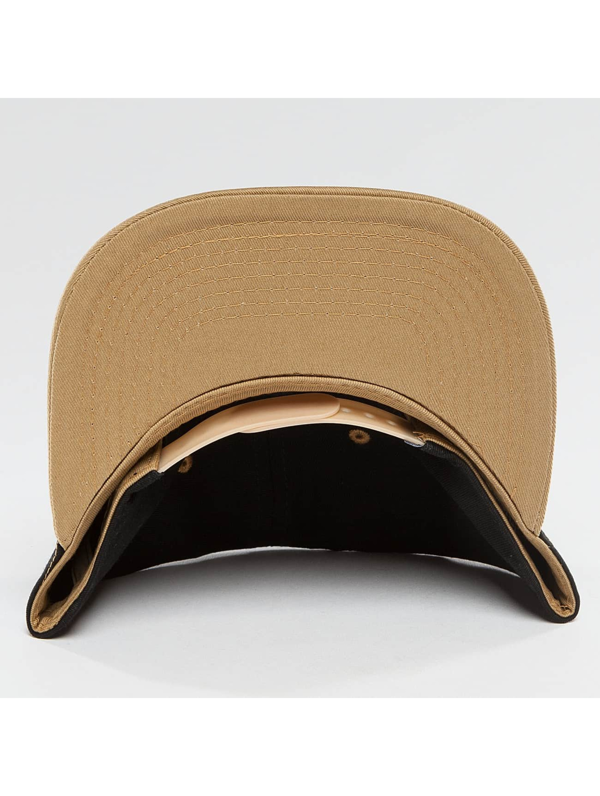 TrueSpin Snapback Caps 4 Letters svart