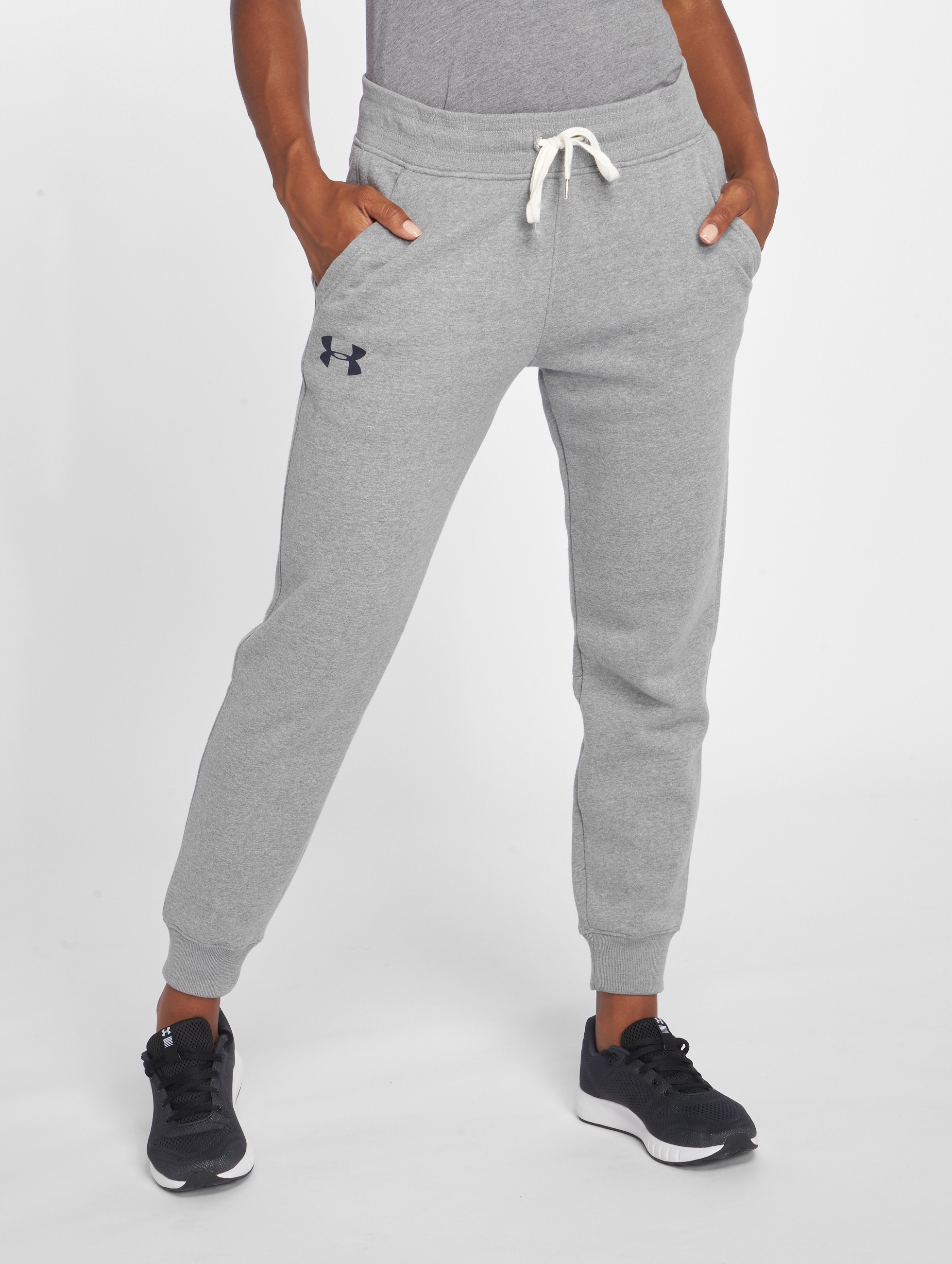 under armour damen jogginghose favorite fleece in grau 357212. Black Bedroom Furniture Sets. Home Design Ideas