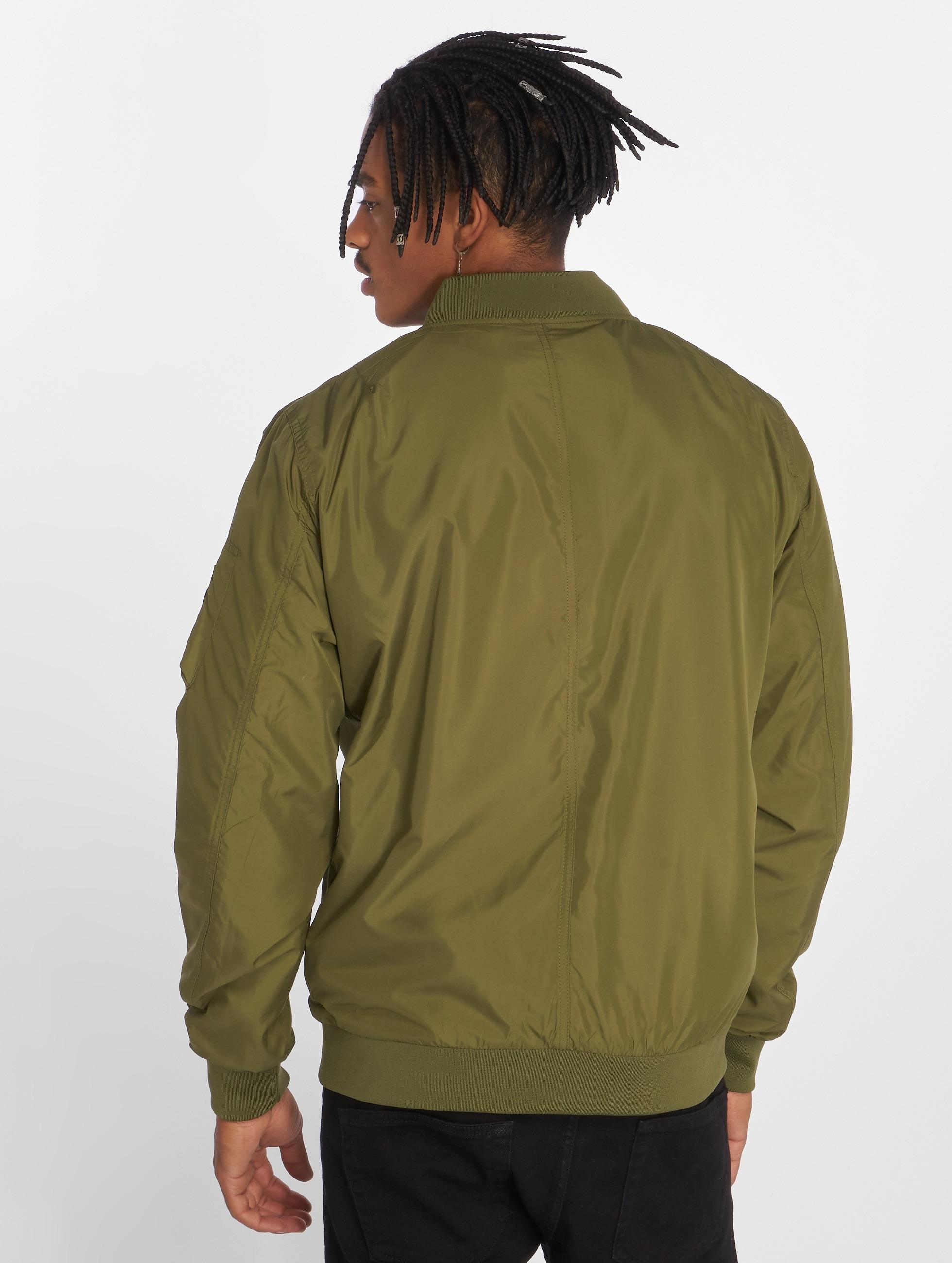 Urban Classics Демисезонная куртка Light Bomber оливковый