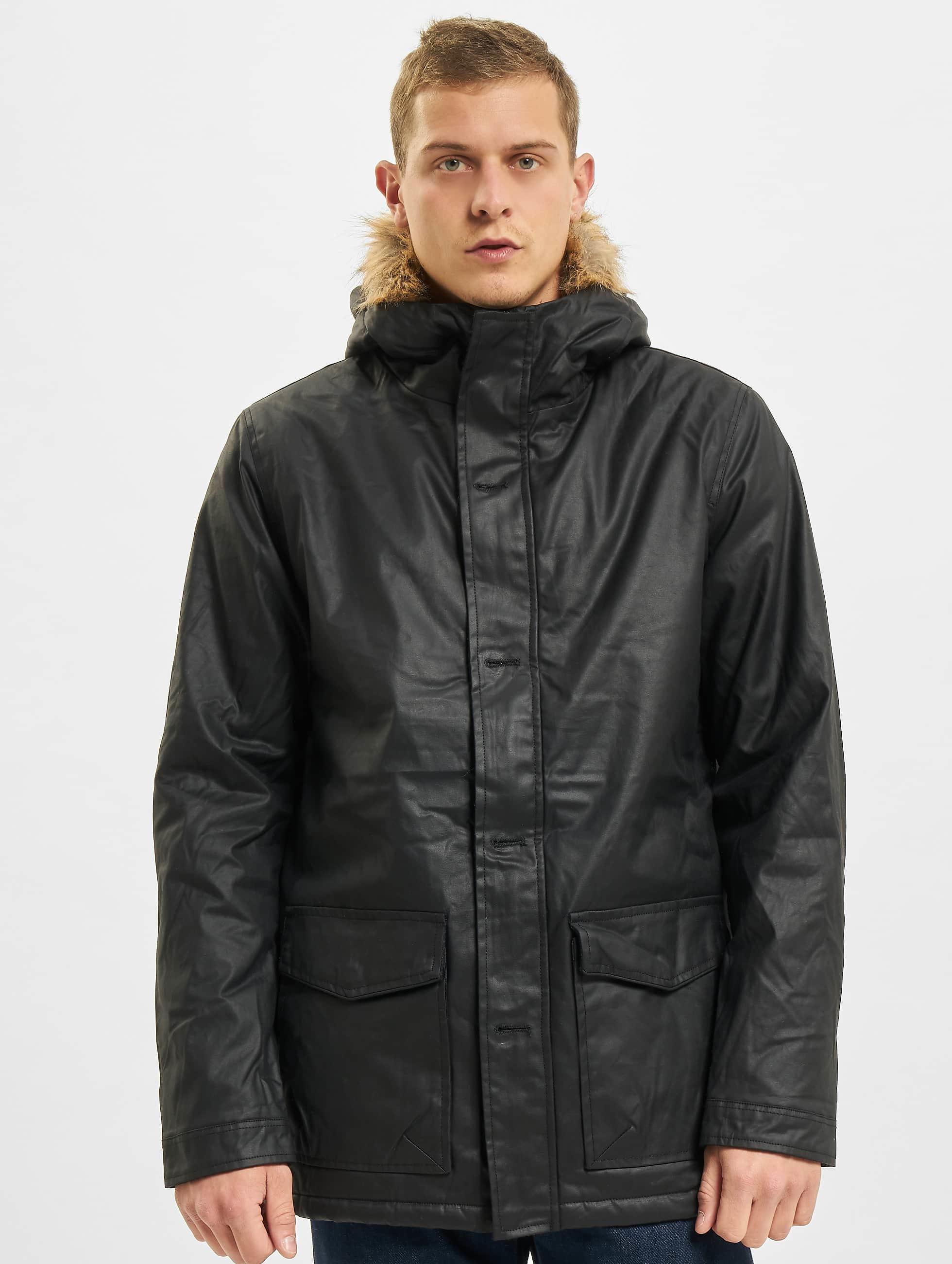 Urban Classics Зимняя куртка Coated Nylon черный